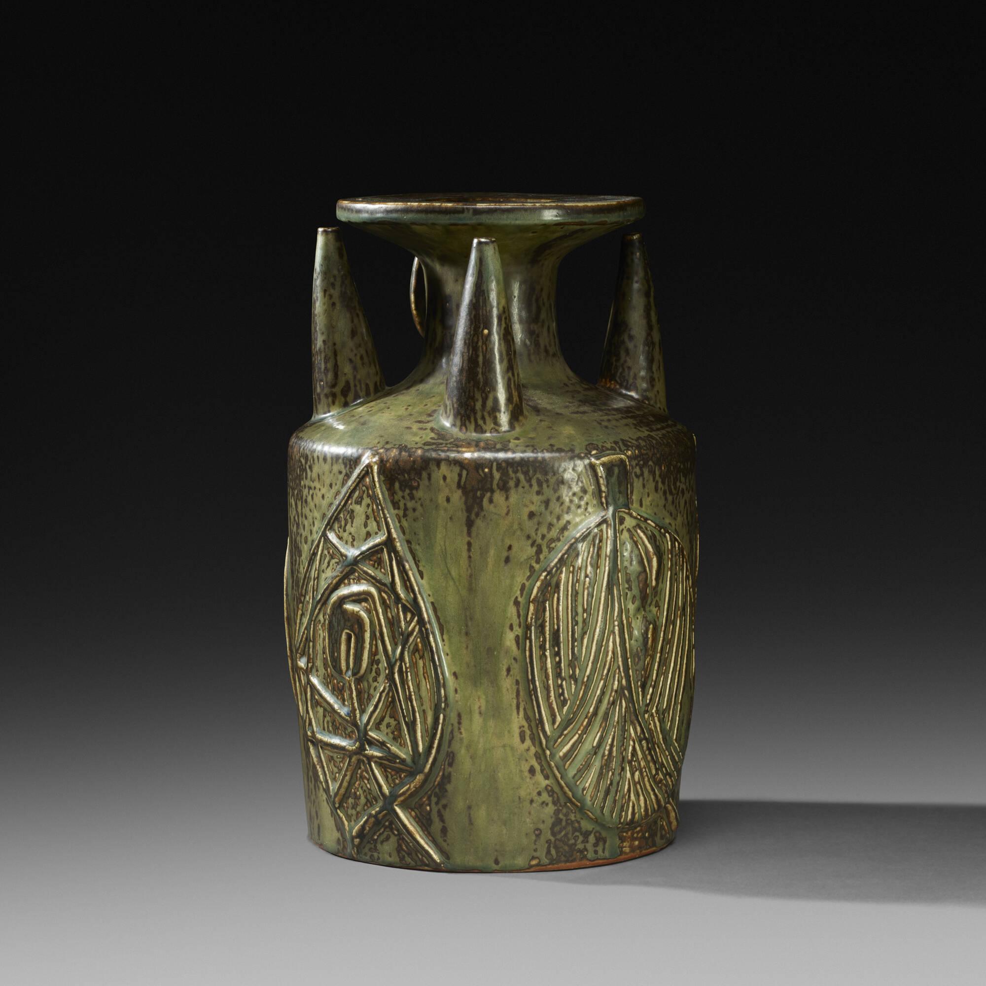 146: Axel Salto / Living Stone vase (2 of 3)
