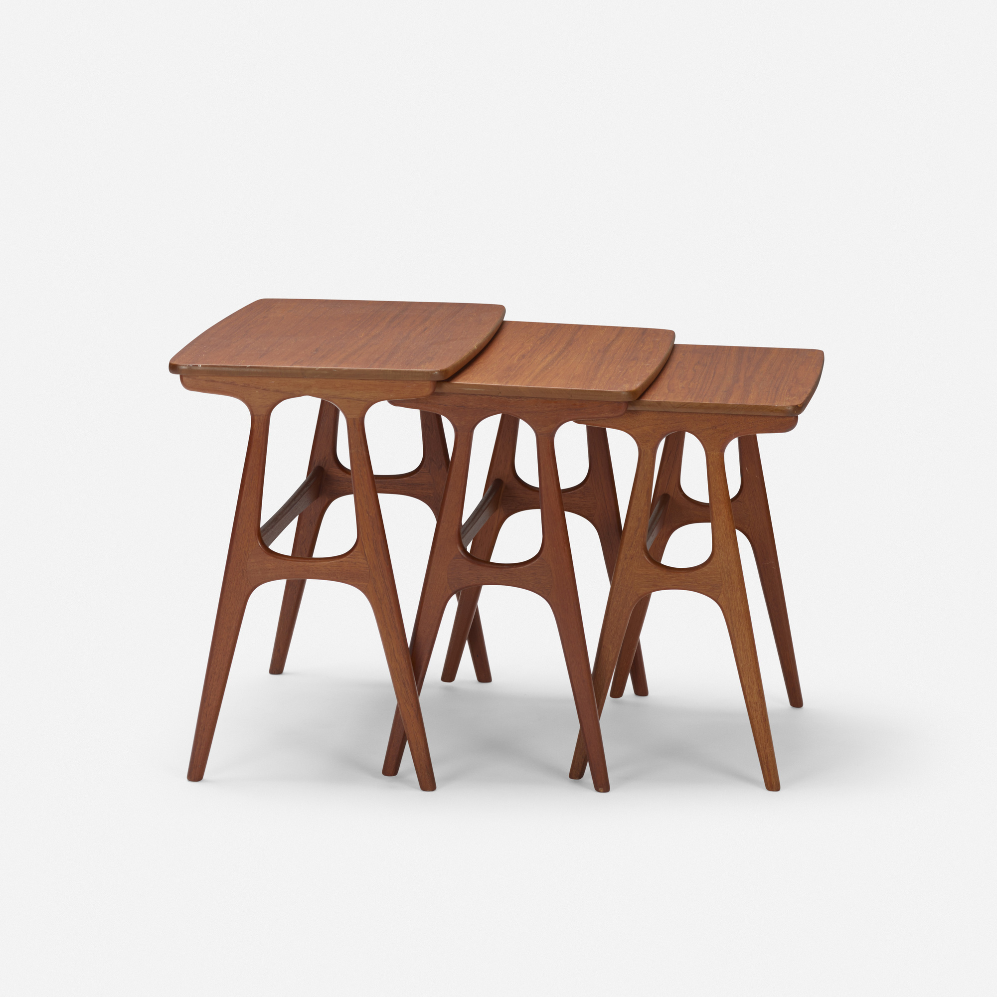 147: Erling Torvits / nesting tables, set of three (1 of 2)