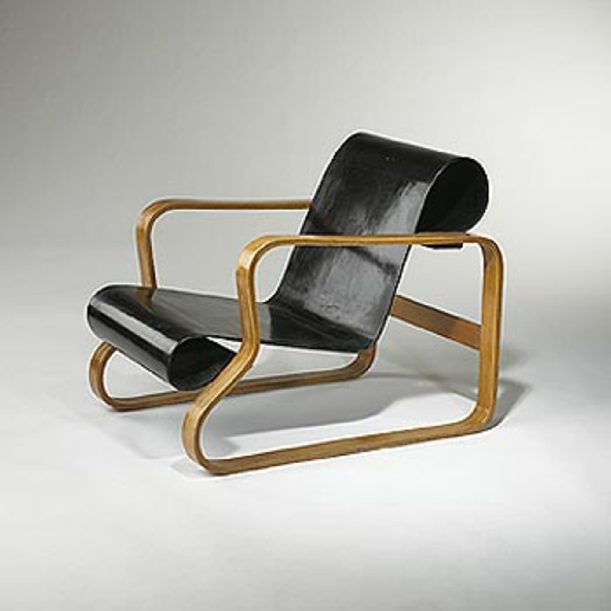 149 ALVAR AALTO an early Paimio lounge chair model 41 u003c Modernist 20th Century 18 May 2003 u003c Auctions | Wright Auctions of Art and Design & 149: ALVAR AALTO an early Paimio lounge chair model 41 u003c Modernist ...