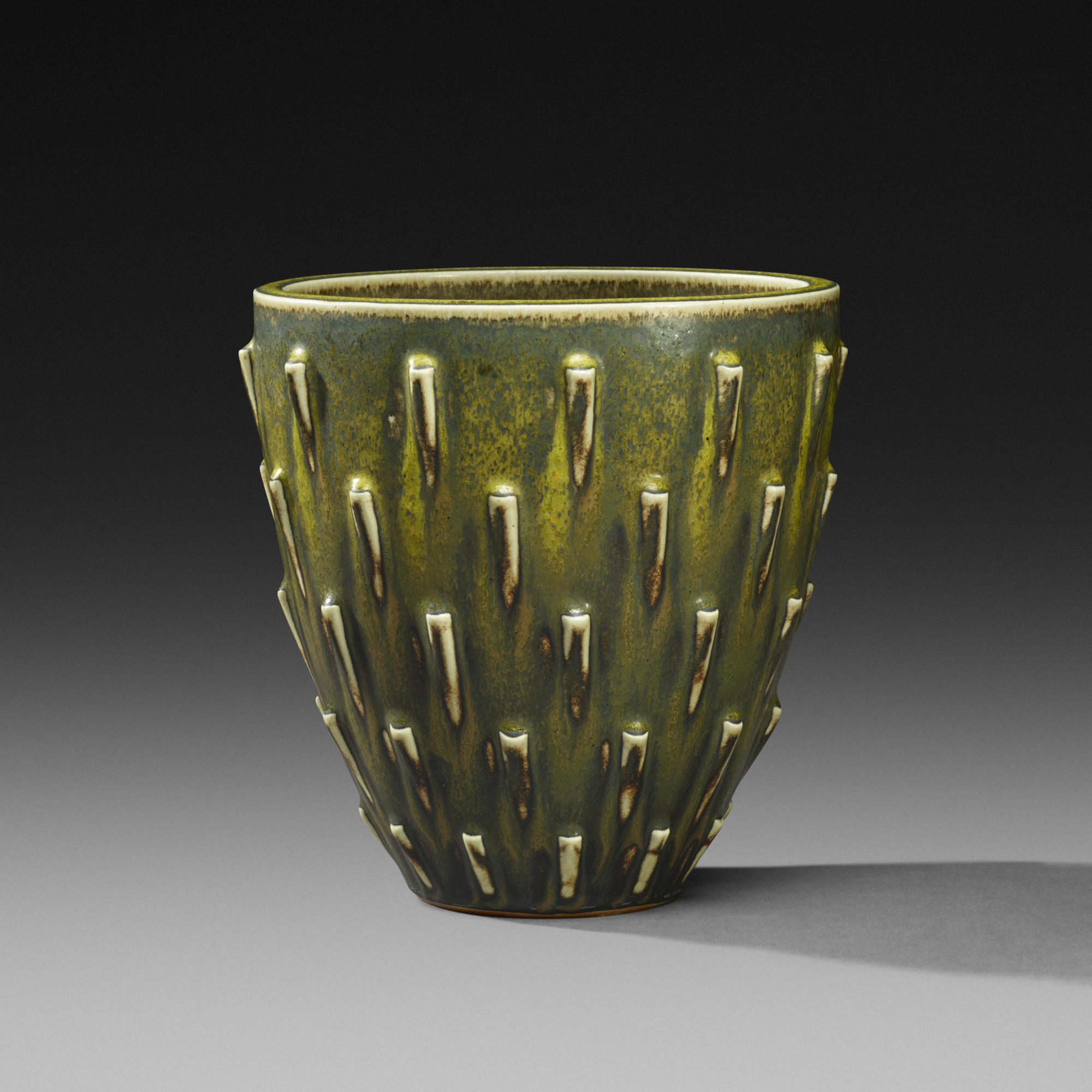 150: Arno Malinowski / vase (1 of 3)