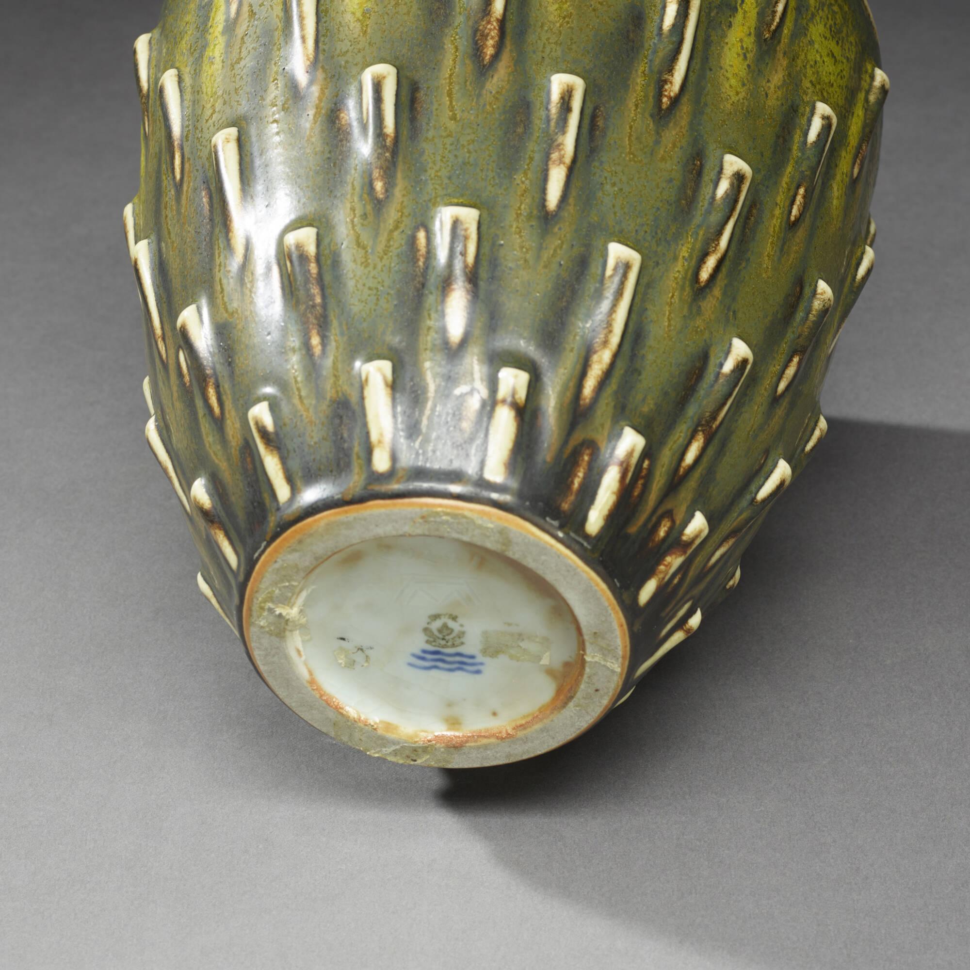 150: Arno Malinowski / vase (3 of 3)