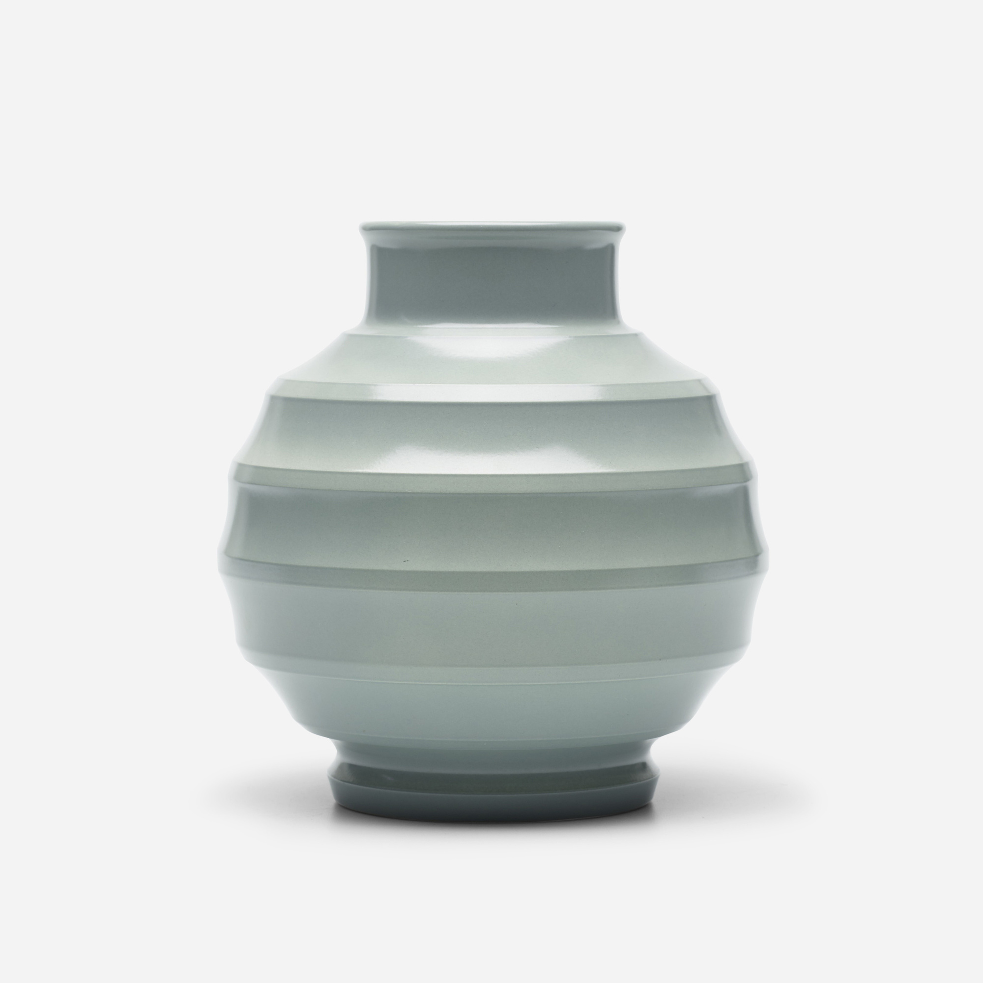 152: Keith Murray / vase (1 of 2)