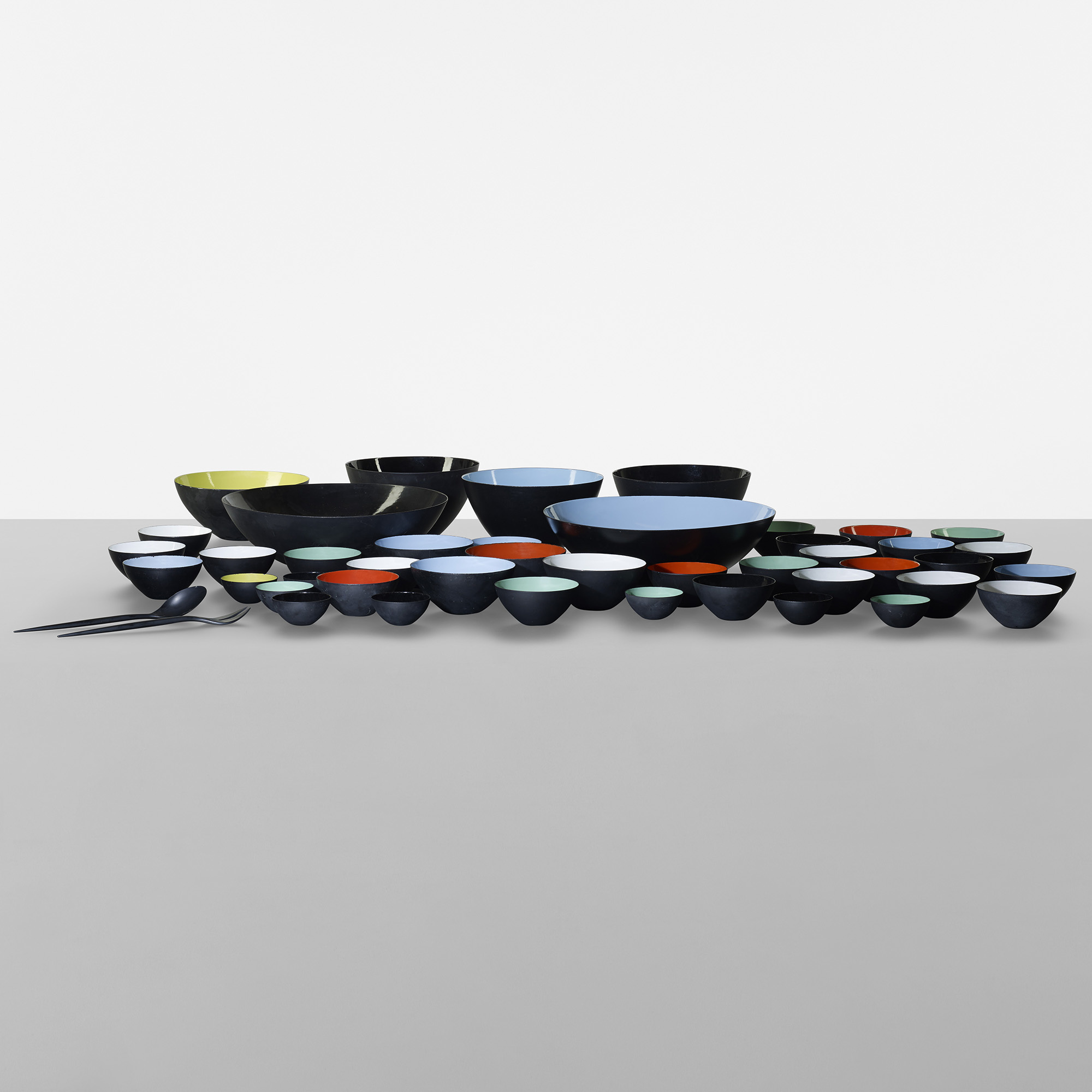 155: Herbert Krenchel / set of forty-three Krenit bowls with two serving utensils (2 of 4)