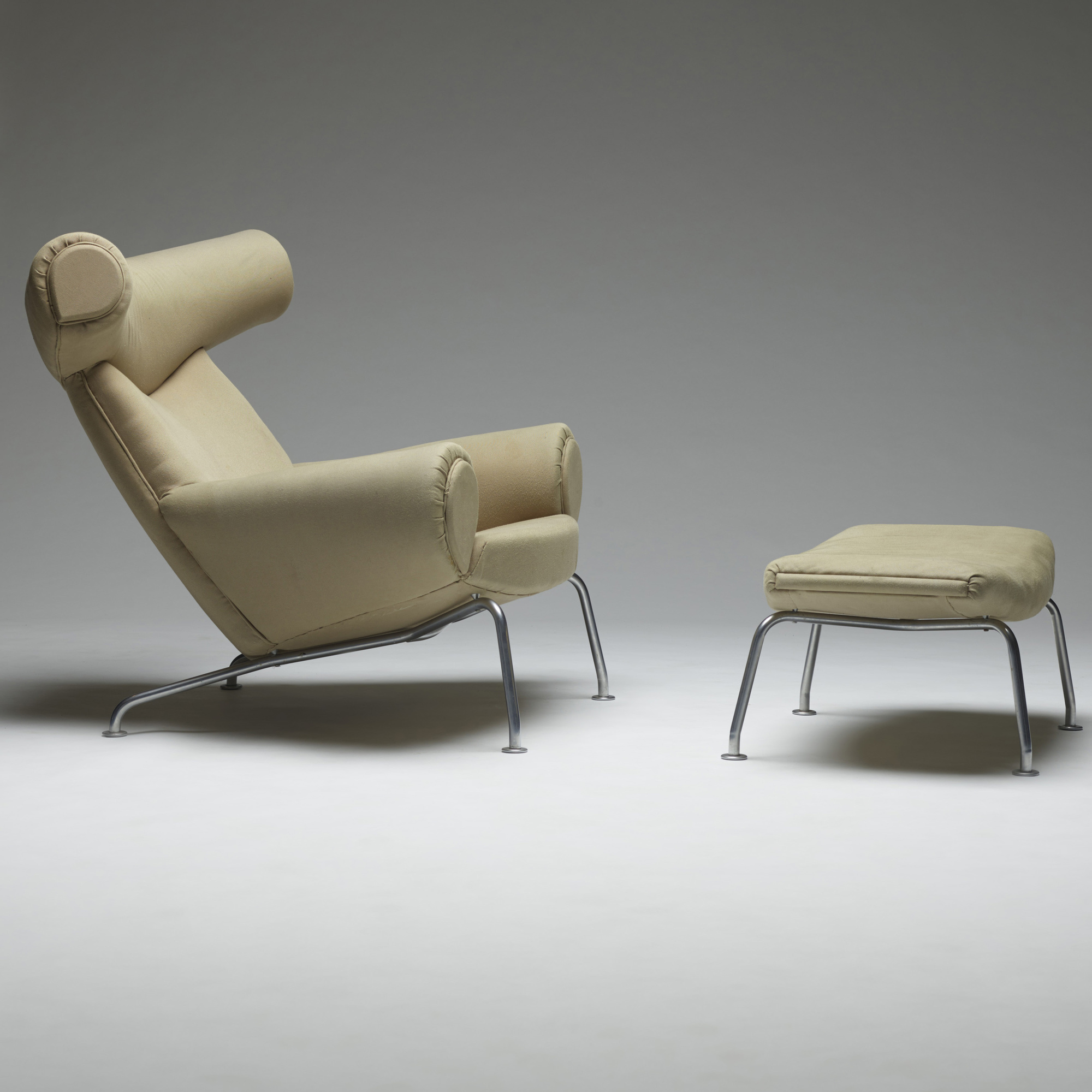 ... 156: Hans J. Wegner / Ox Chair And Ottoman (3 Of 4)