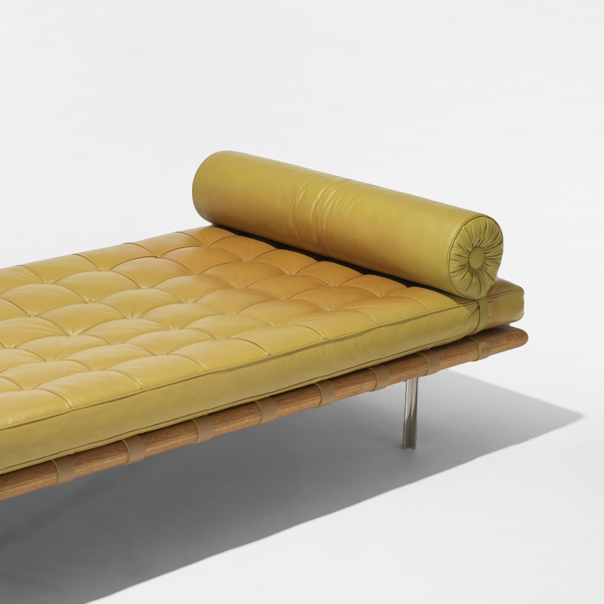 157: Ludwig Mies van der Rohe / Barcelona daybed from 860 Lake Shore Drive, Chicago (3 of 3)
