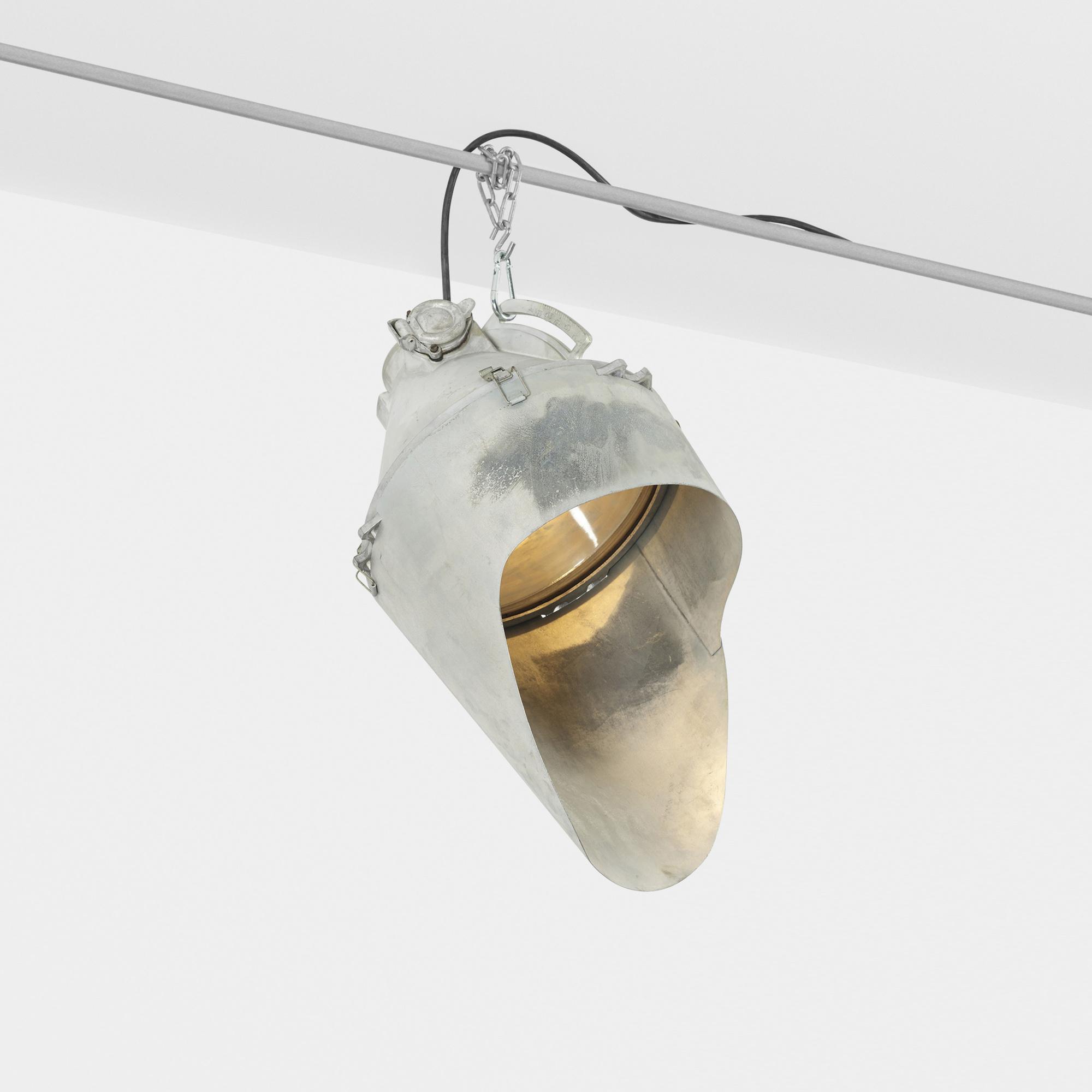 159: BBT (Barbier, Benard and Turenne) / industrial lamp (1 of 1)