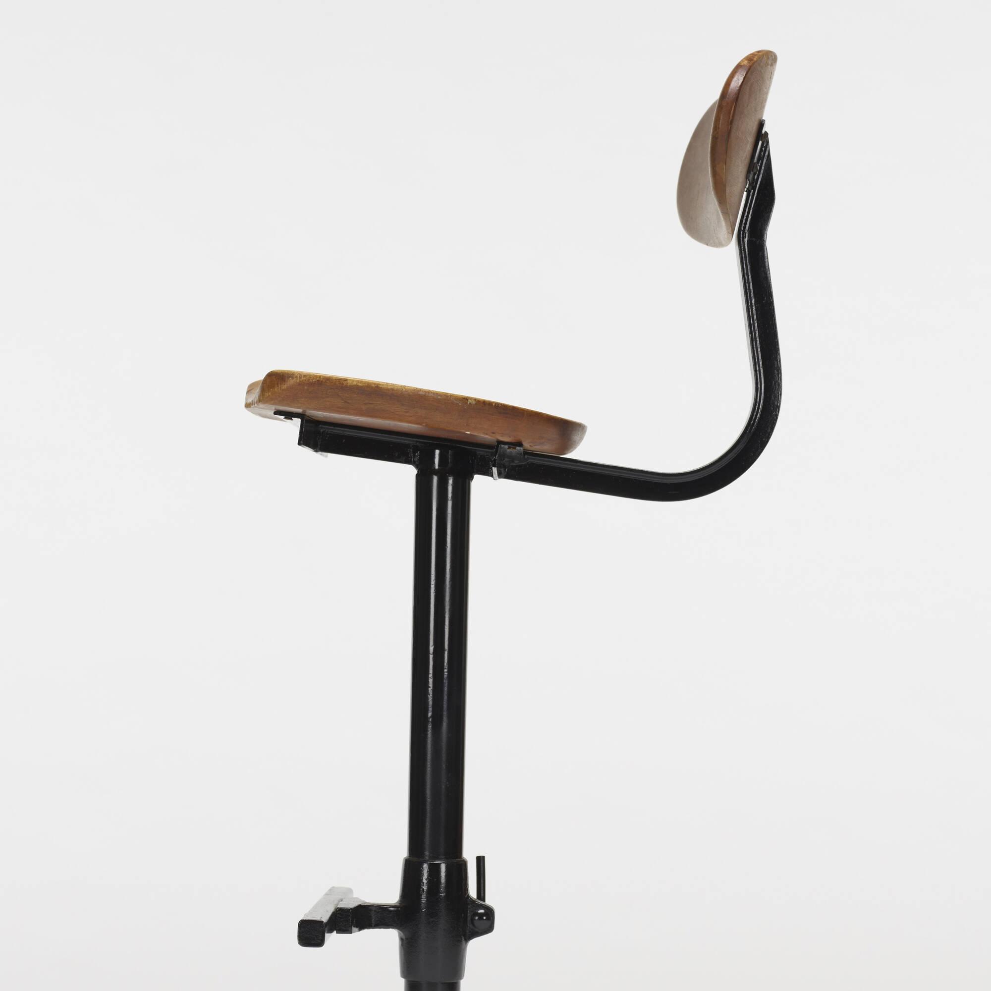 160: American / adjustable stool (2 of 2)