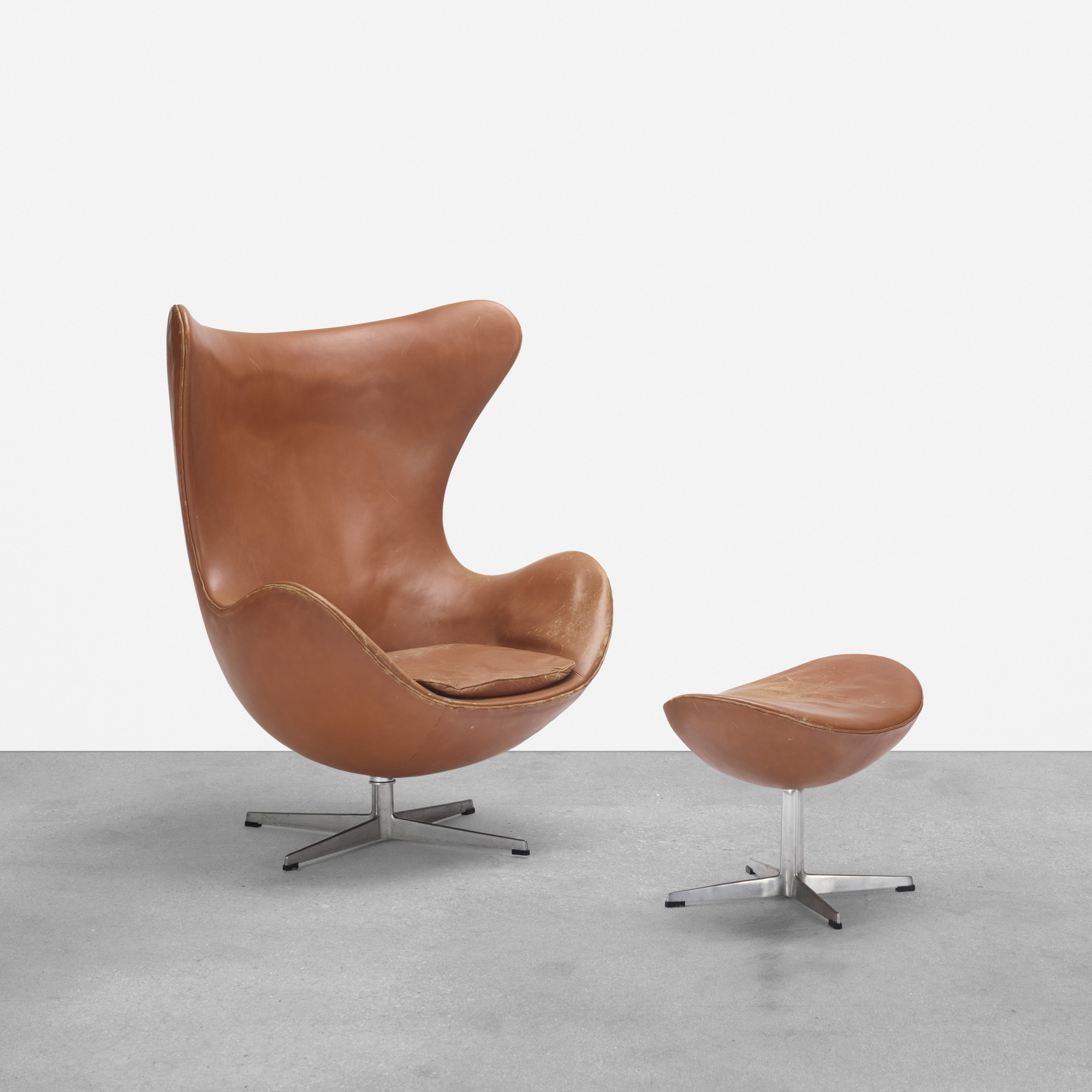 163: Arne Jacobsen / Egg chair and ottoman (1 of 3)