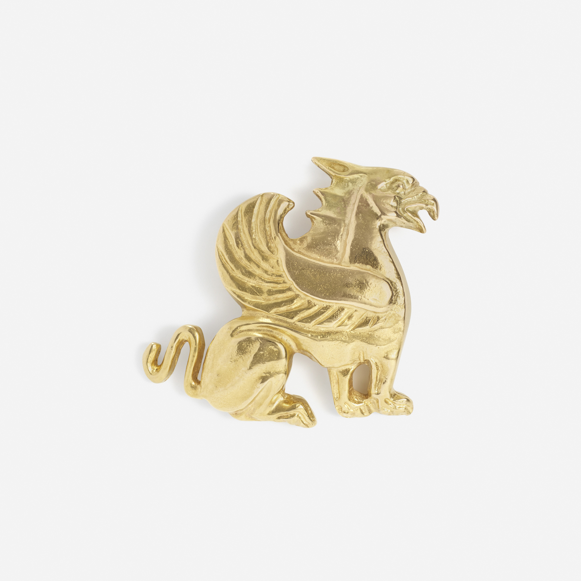 163:  / A gold brooch (1 of 1)