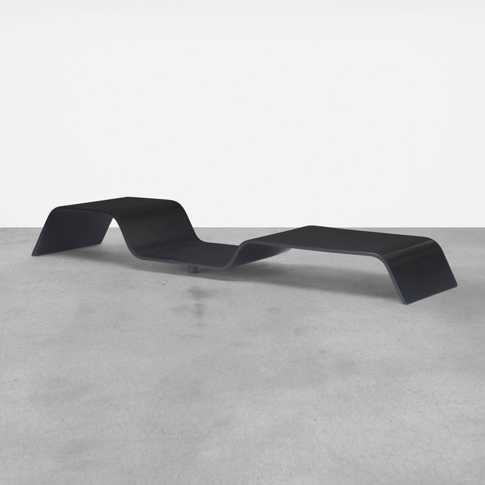 165: Oscar Niemeyer / low table (1 of 3)