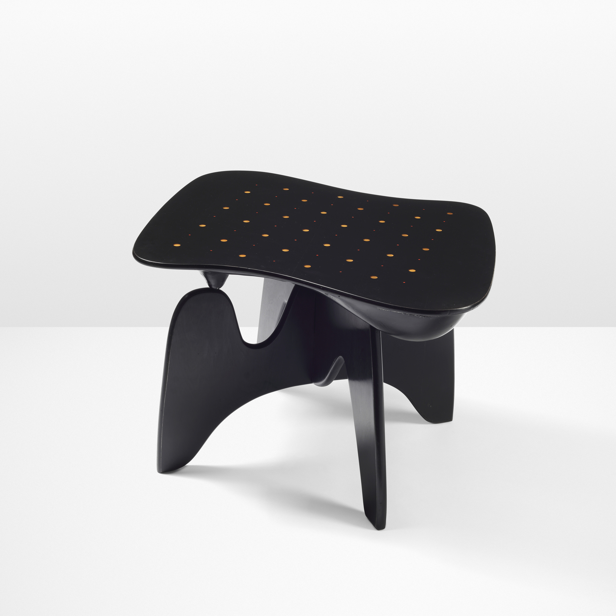 16: Isamu Noguchi / Rare and Important Chess table, model IN-61 (1 of 6)