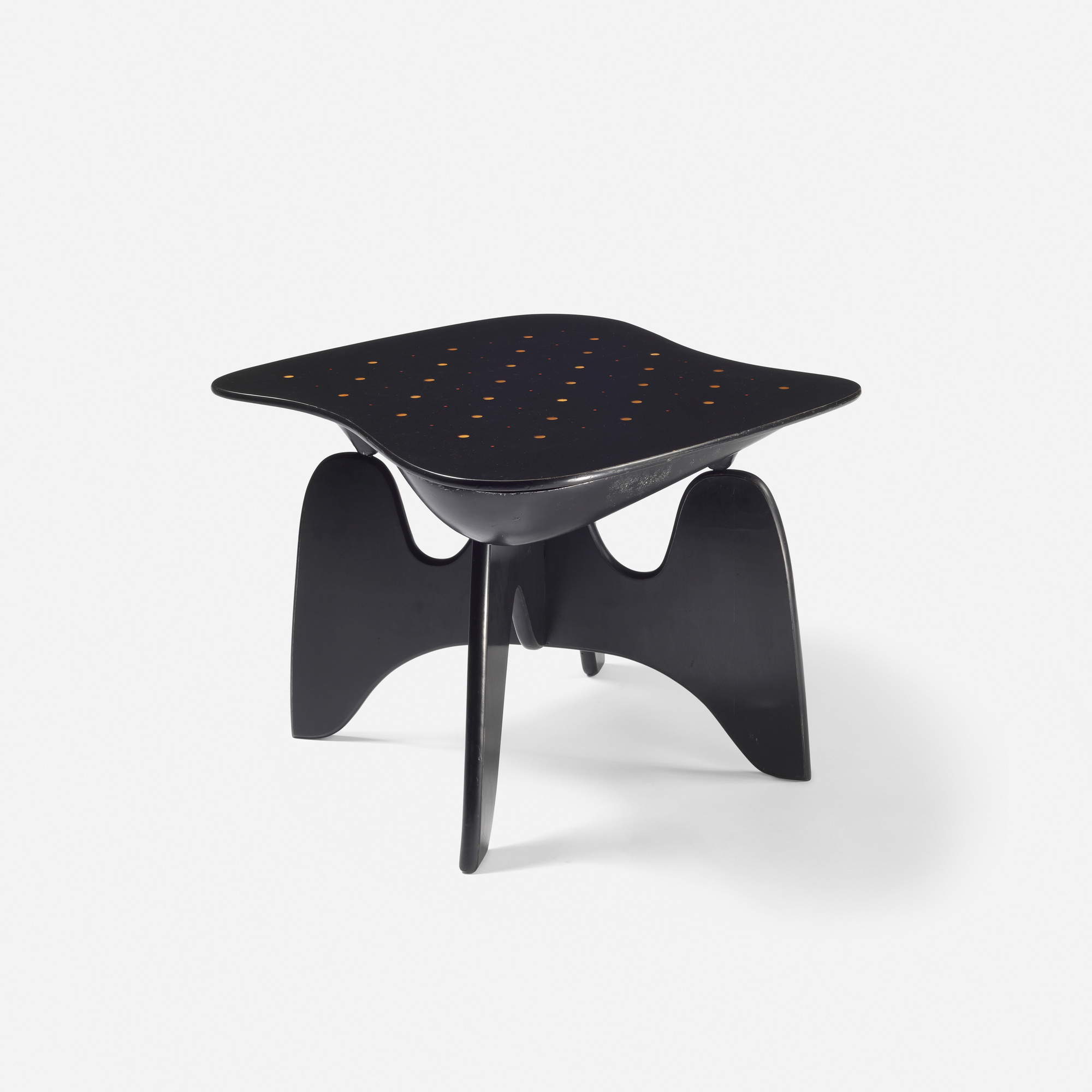16: Isamu Noguchi / Rare and Important Chess table, model IN-61 (2 of 6)
