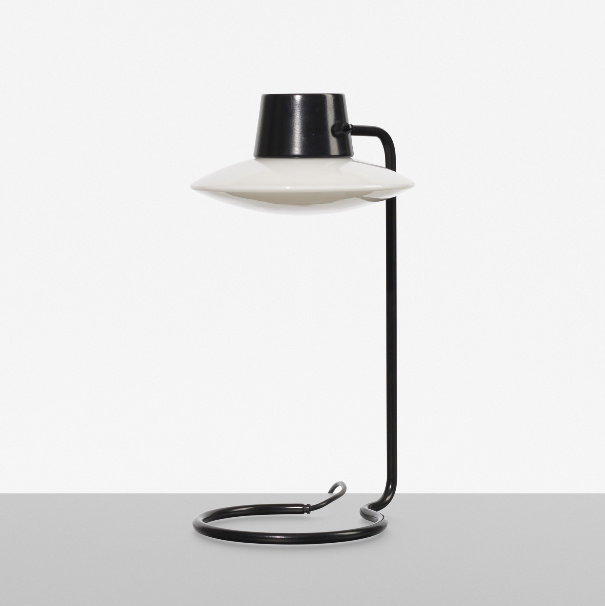 172: Arne Jacobsen / Oxford table lamp (1 of 1)