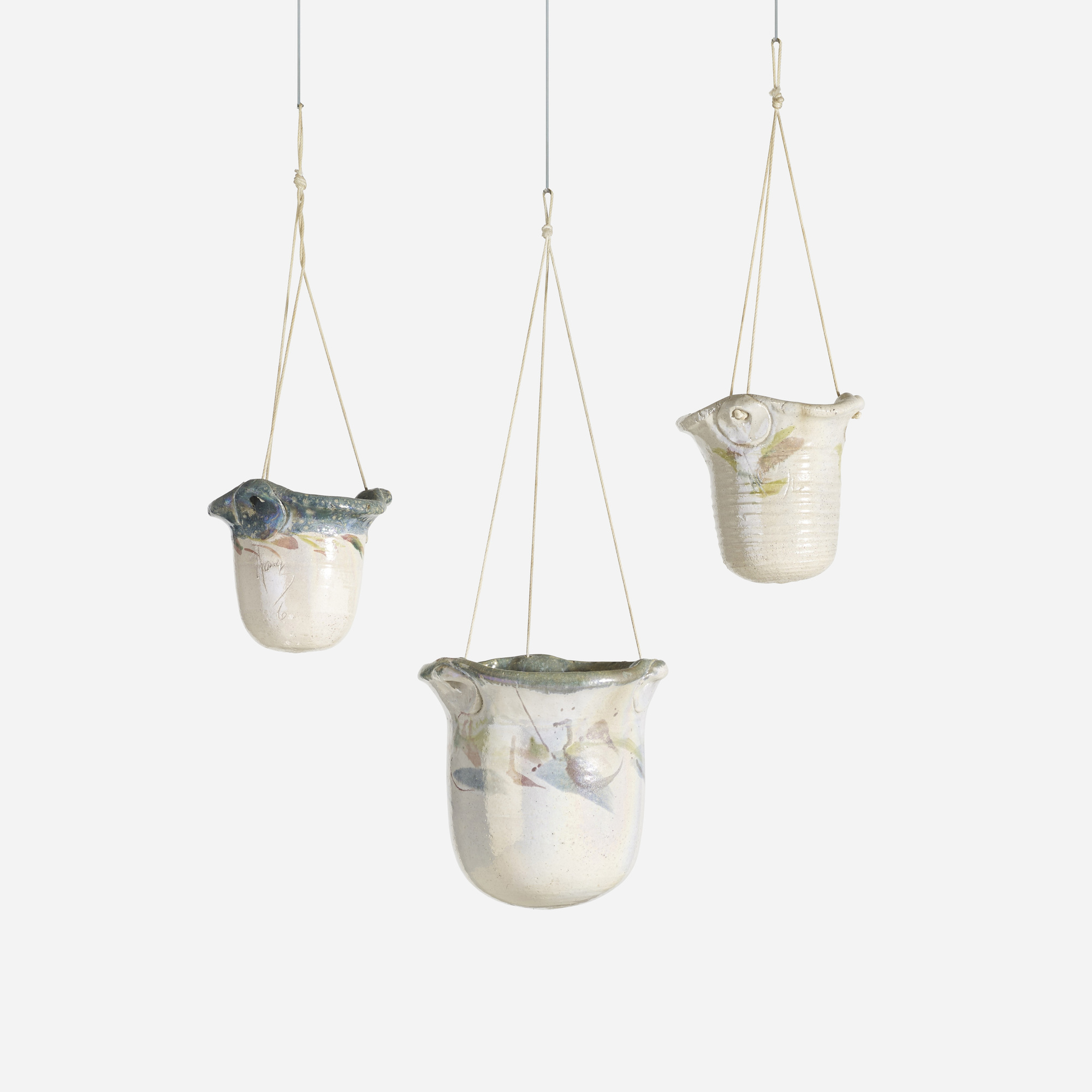 175: Nancy Jurs / hanging pots, set of three (1 of 2)