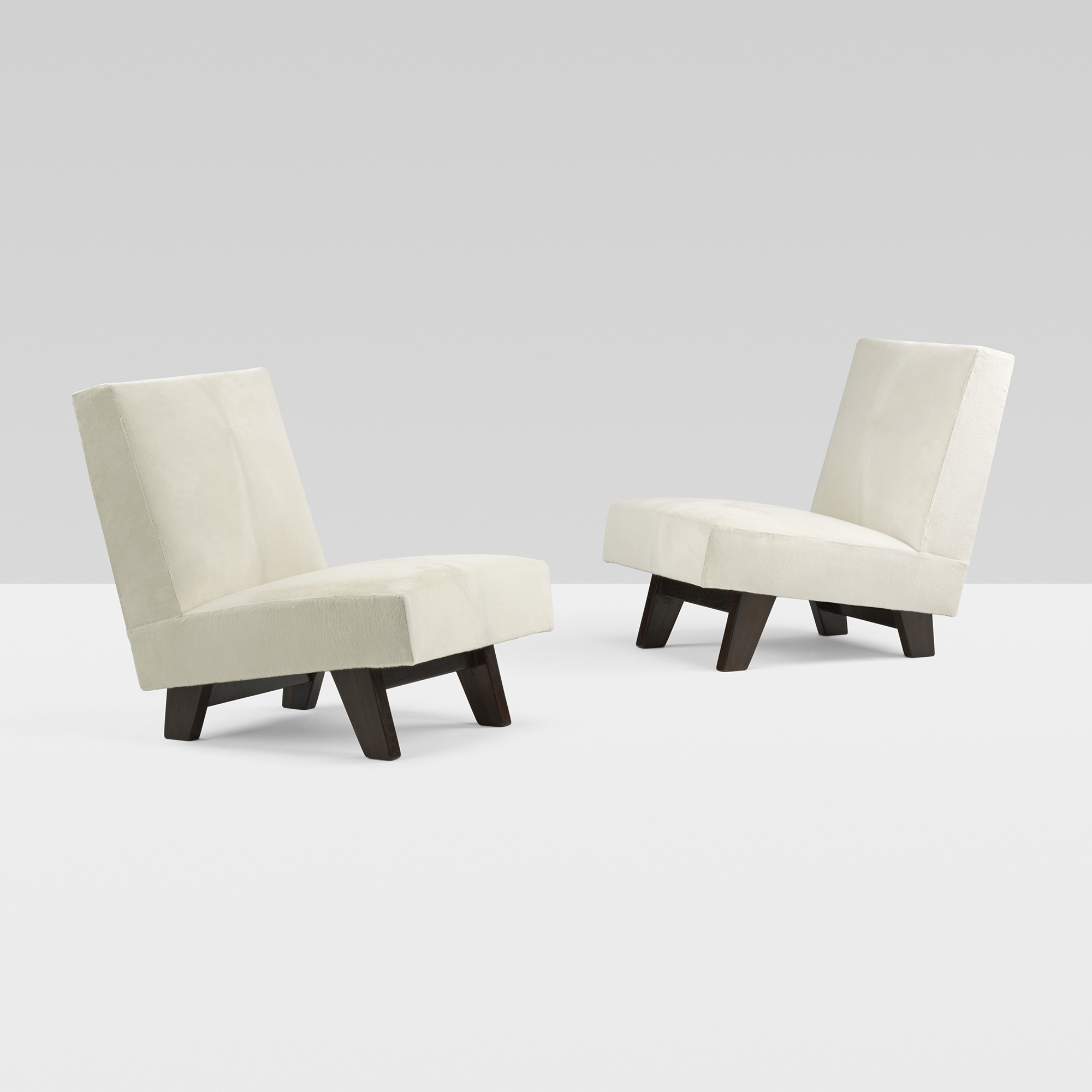 178: Le Corbusier And Pierre Jeanneret / Pair Of Lounge Chairs From The  High Court