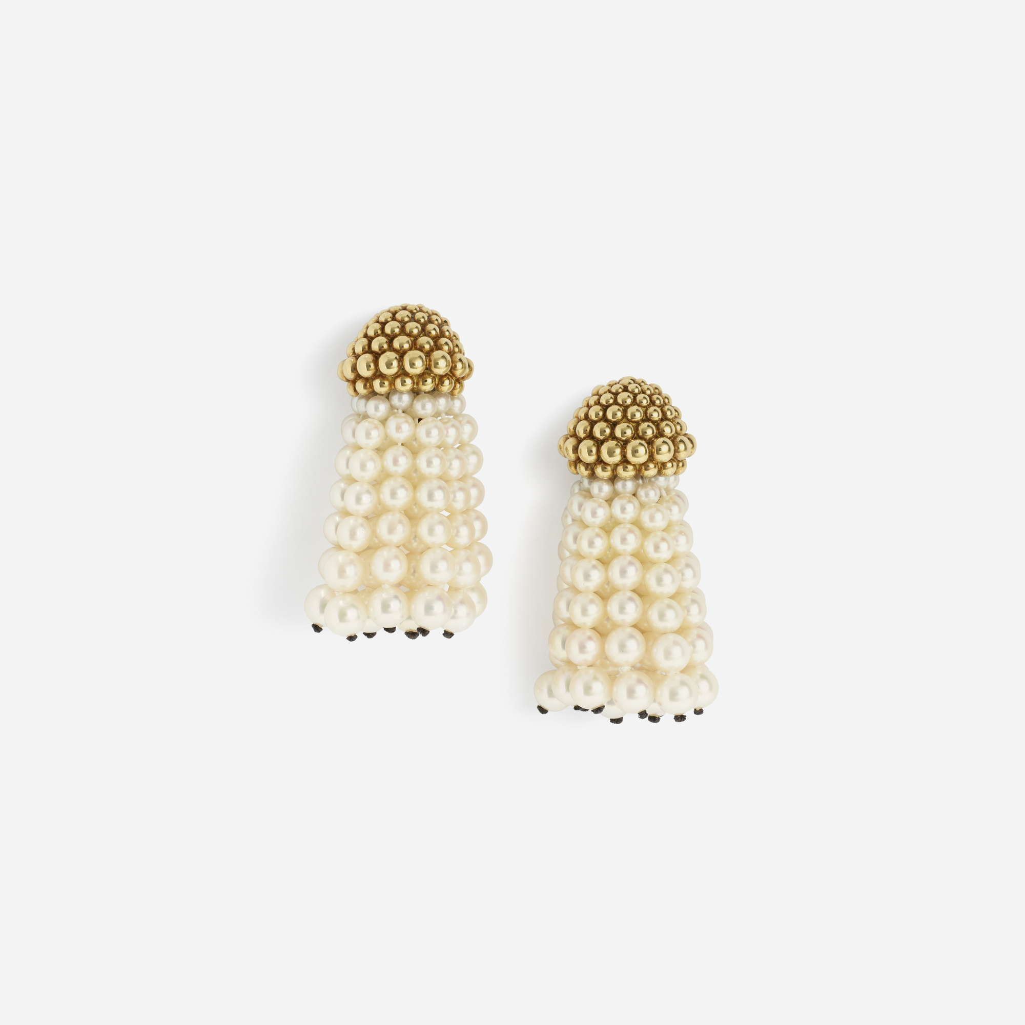 181: Chanel / A pair of gold and pearl earrings (1 of 1)