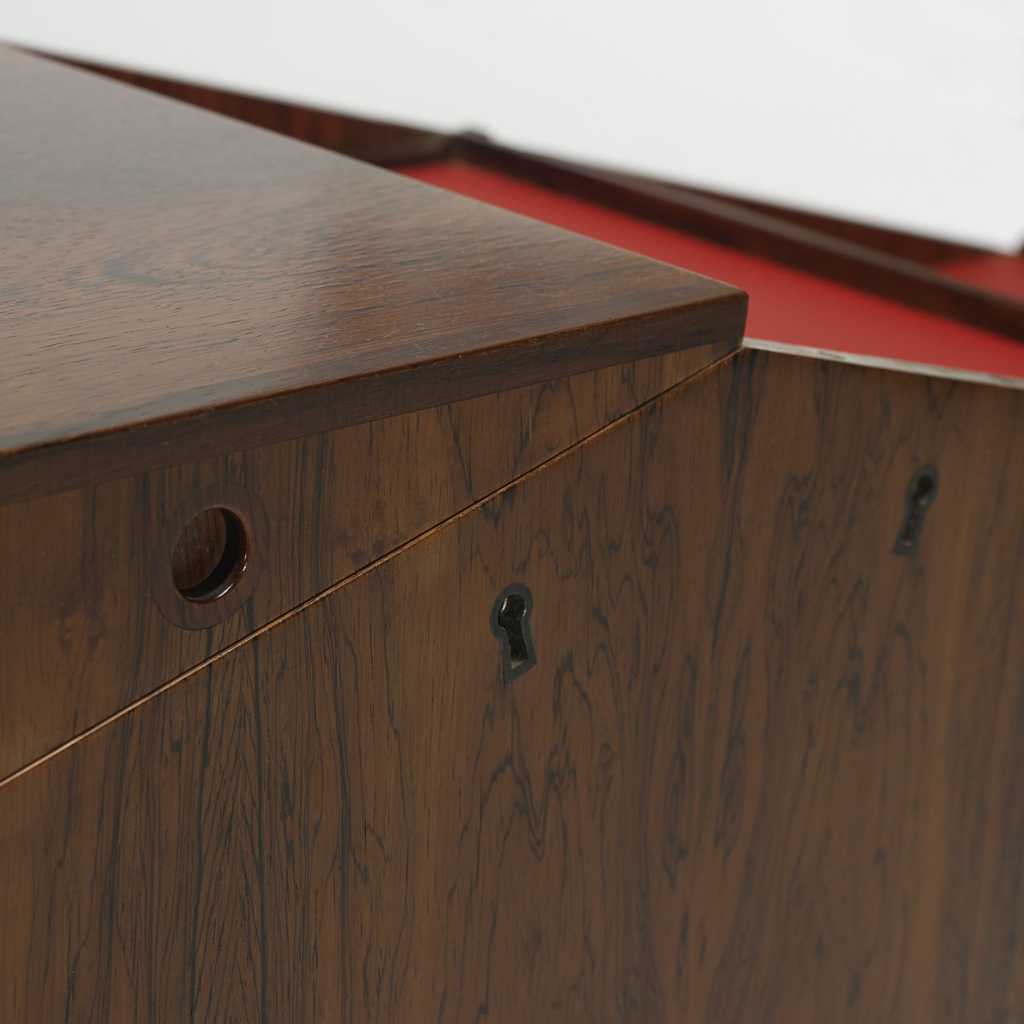 184: Leif Alring / bar cabinet (3 of 4)