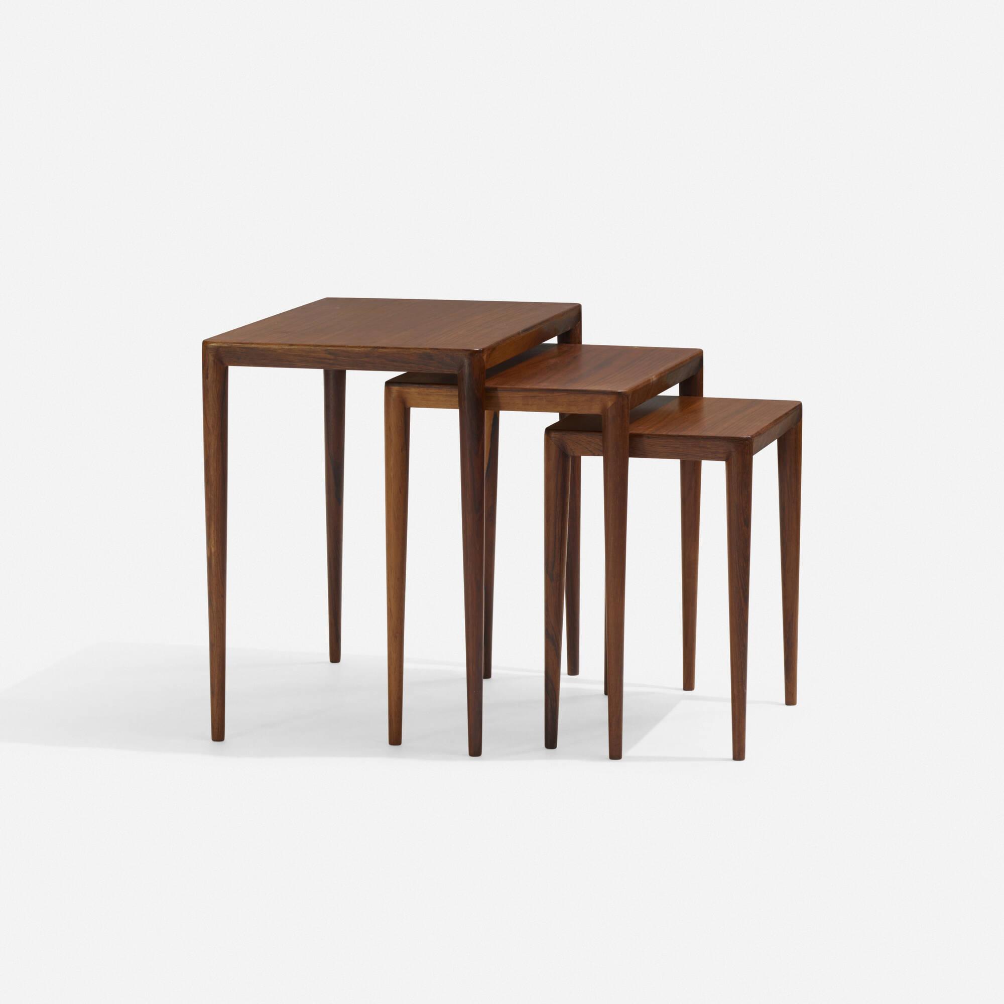 186: Danish / Nesting Tables, Set Of Three (1 Of 2)