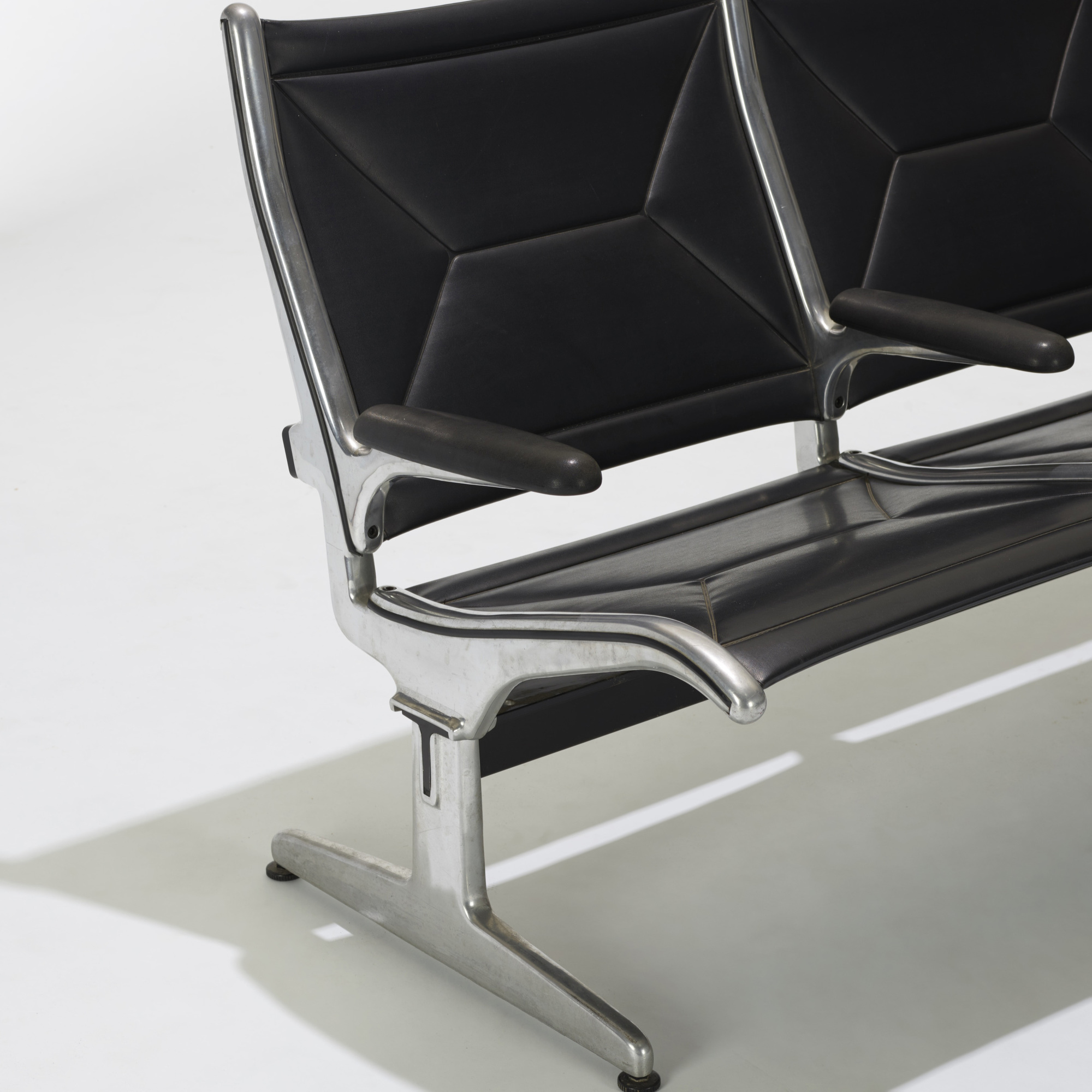 187: Charles and Ray Eames / Tandem Sling seating (3 of 3)