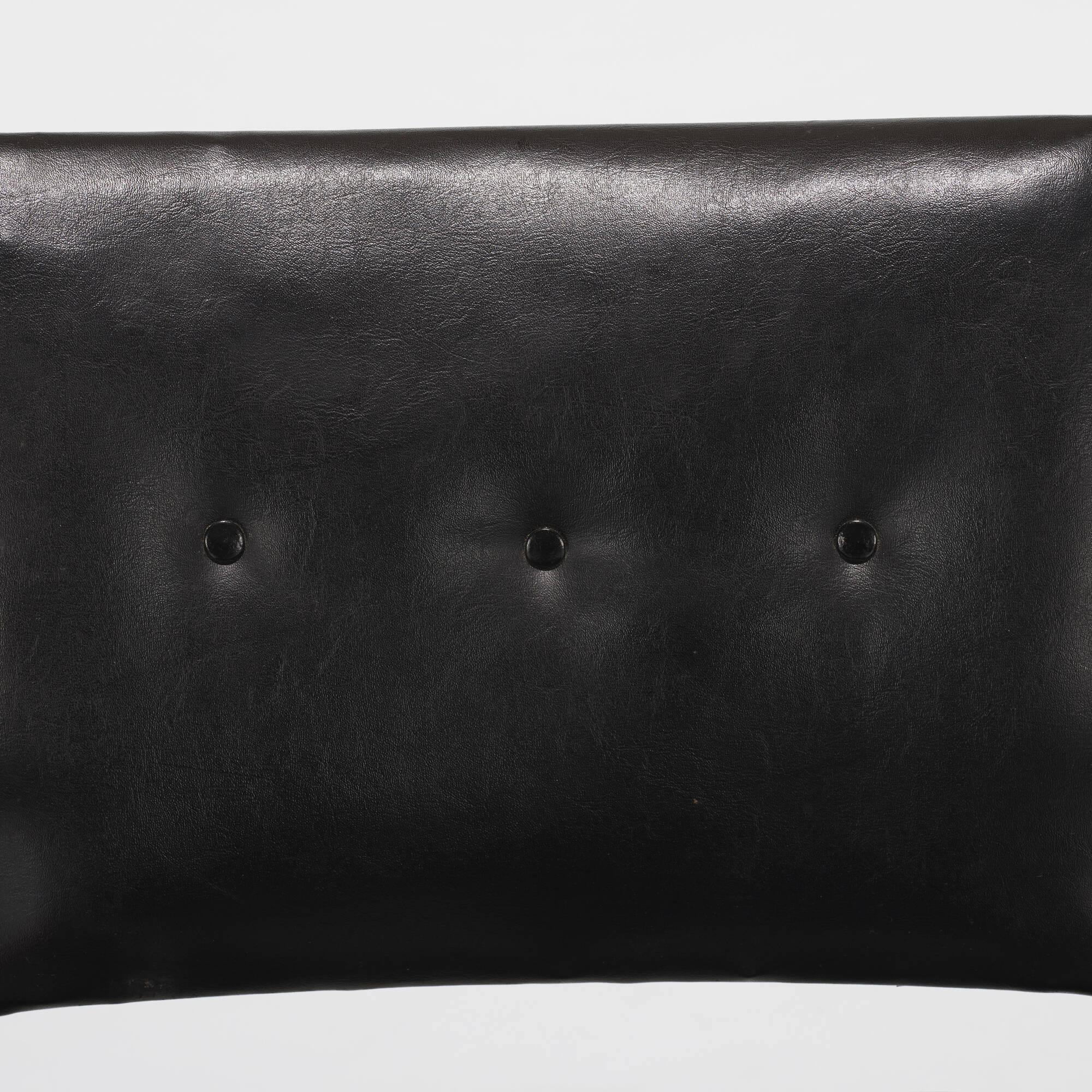 189: Ladislav Rado / armchair (3 of 3)