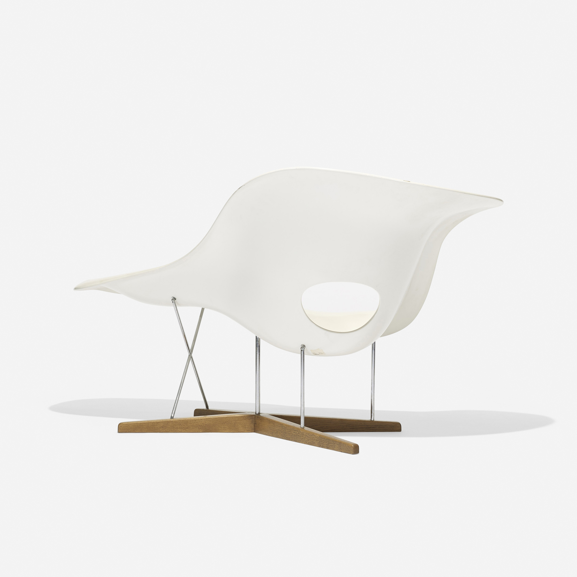 192 charles and ray eames la chaise for Design chaise 2015