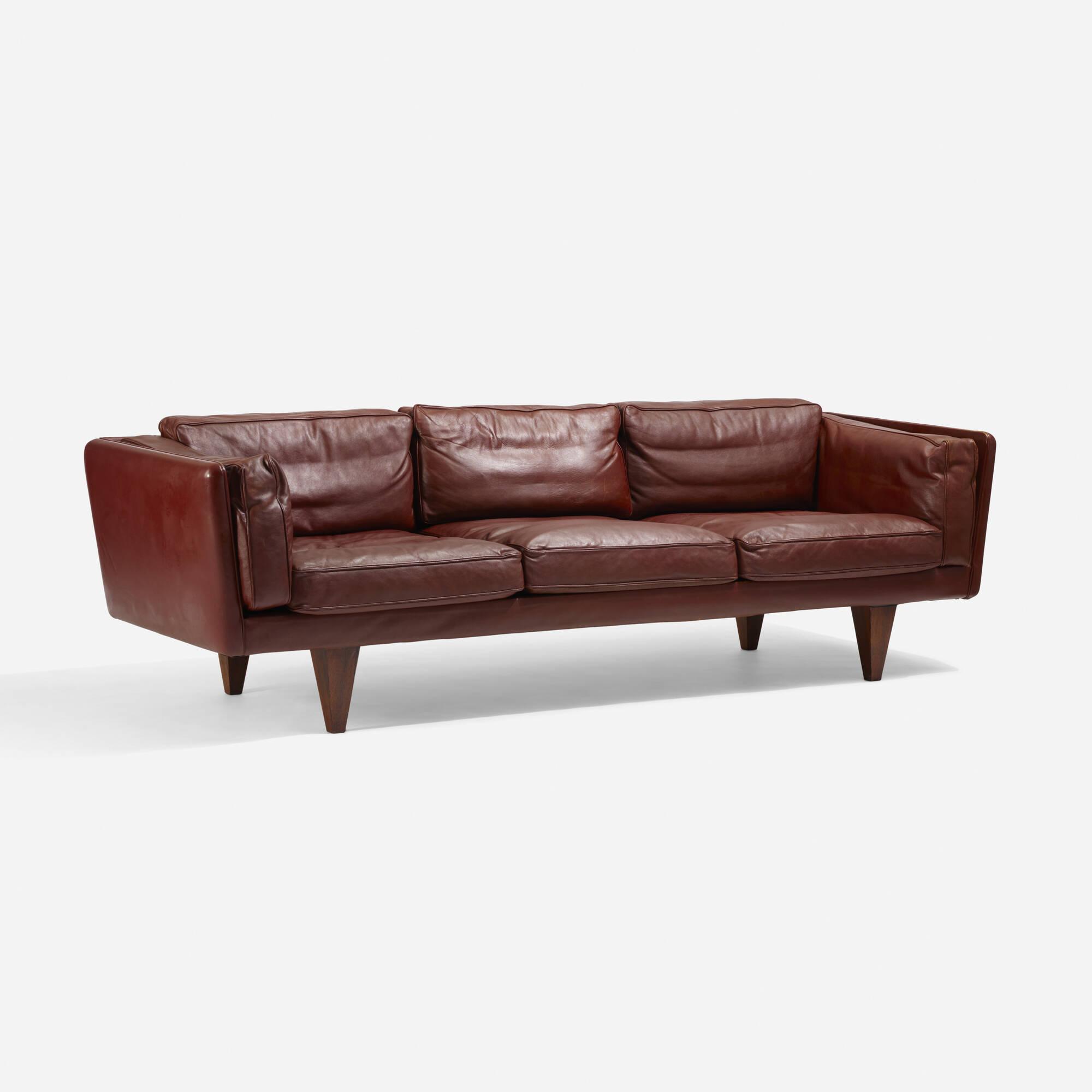 195: Illum Wikkelsø / sofa, model V11 (1 of 3)
