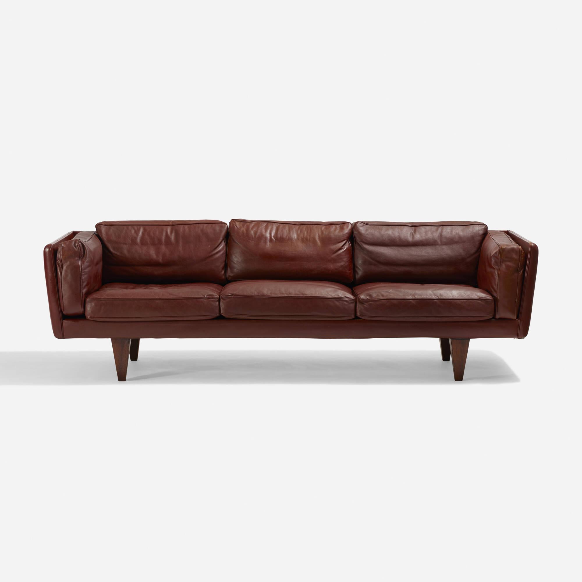 195: Illum Wikkelsø / sofa, model V11 (2 of 3)