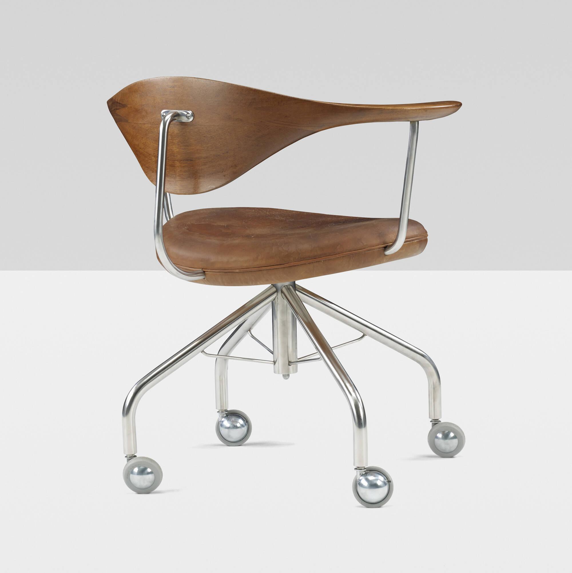 198: Hans J. Wegner / Swivel chair (3 of 9)