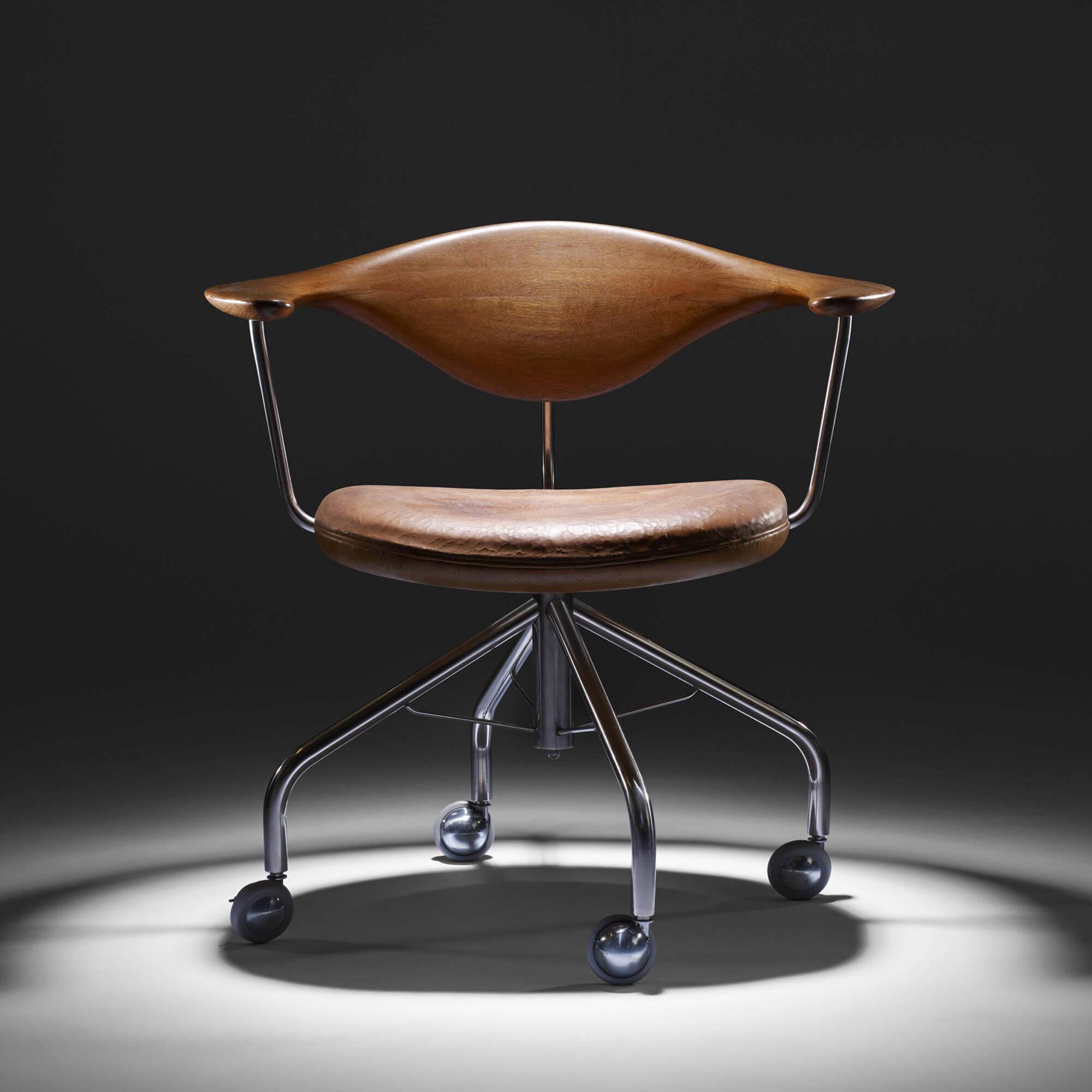 198: Hans J. Wegner / Swivel chair (7 of 9)
