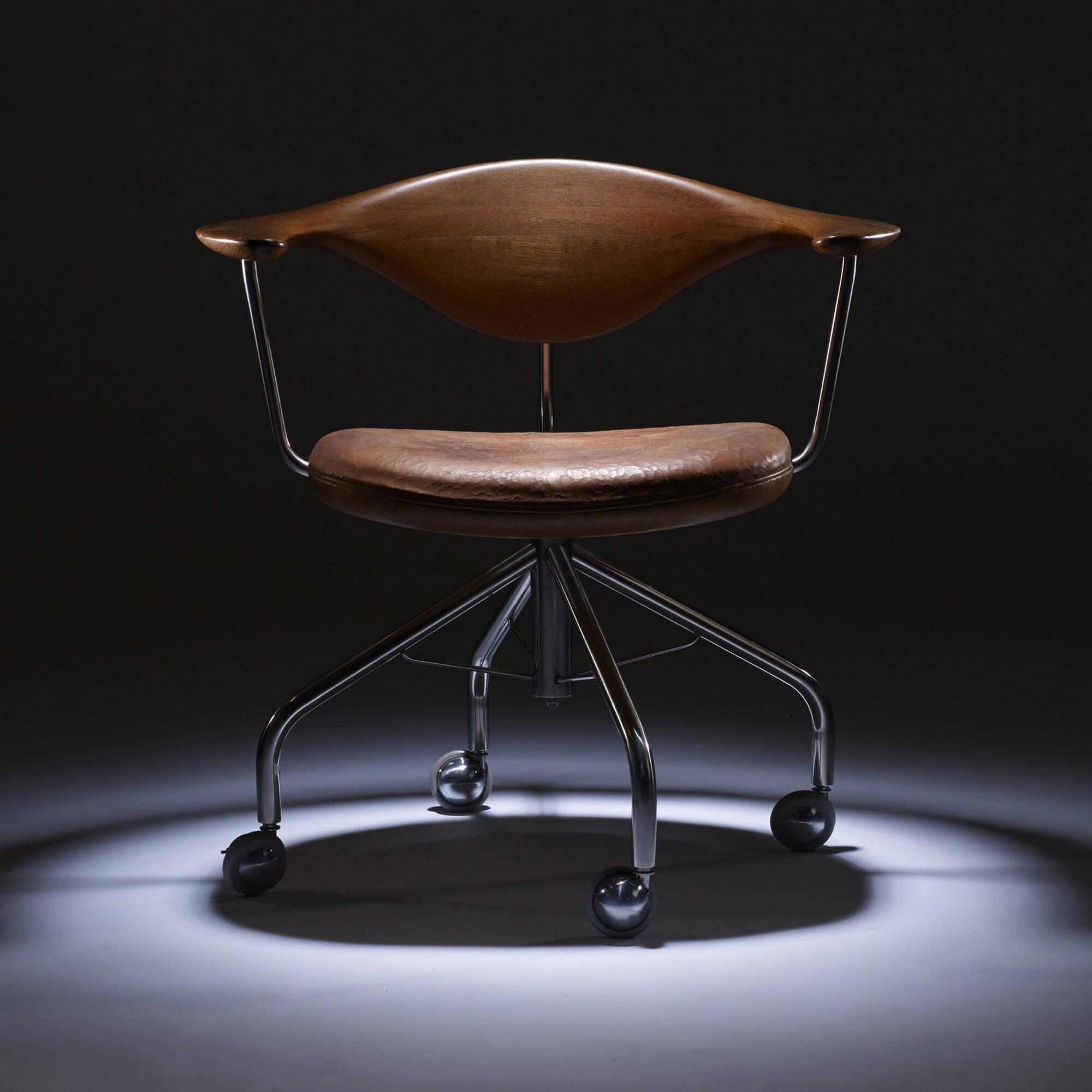 198: Hans J. Wegner / Swivel chair (8 of 9)