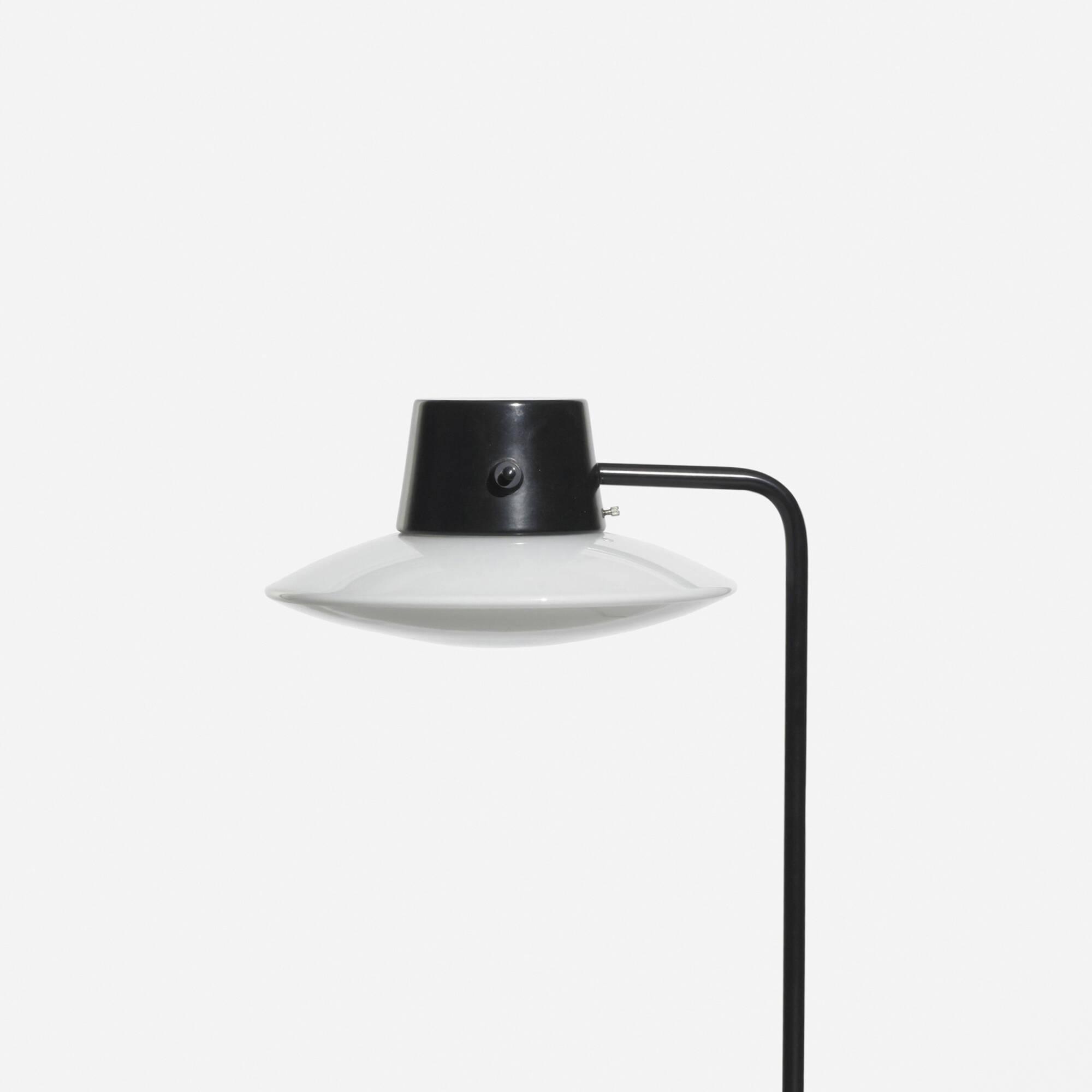 199: ARNE JACOBSEN, Oxford table lamp