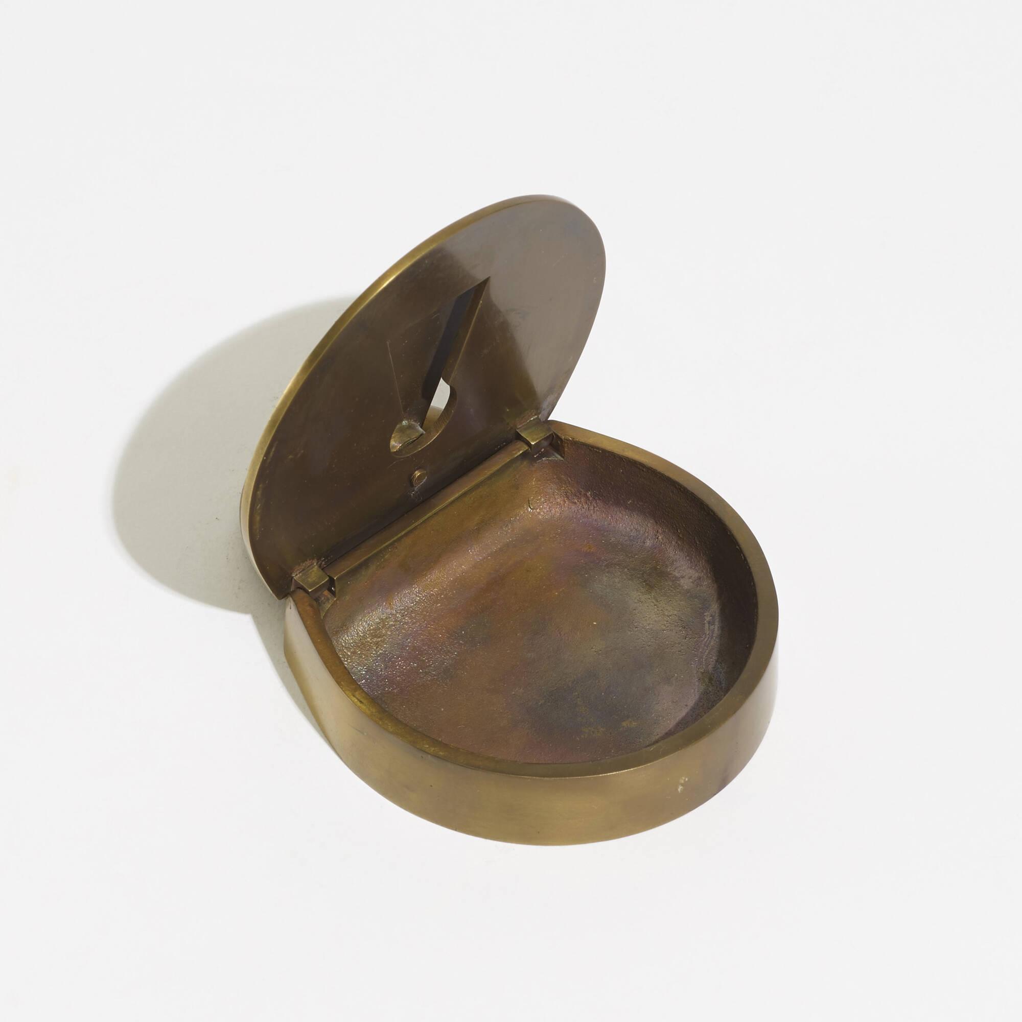 200: Carl Auböck III / ashtray, model 5012 (3 of 4)