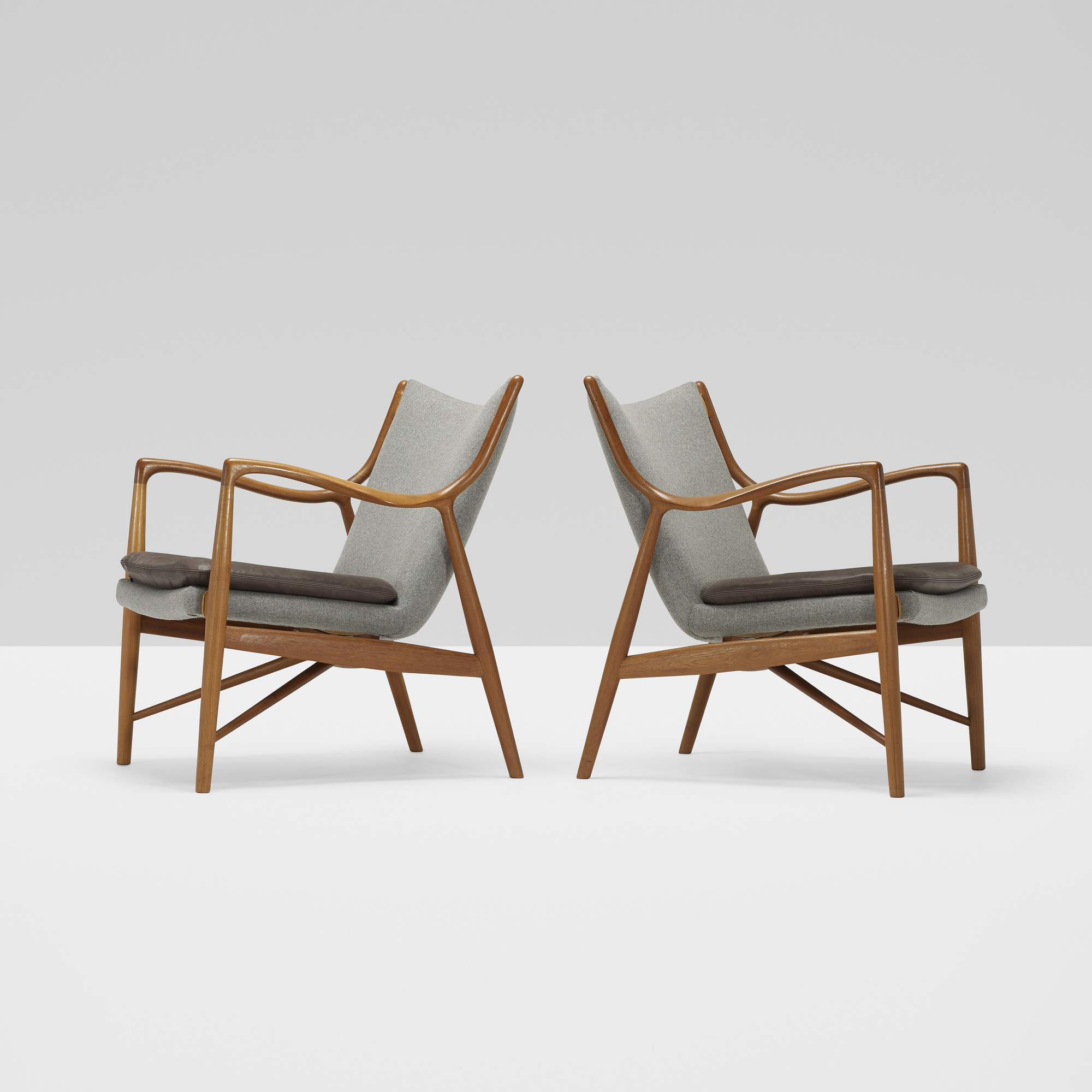 204: Finn Juhl / Lounge Chairs Model NV 45, Pair (1 Of