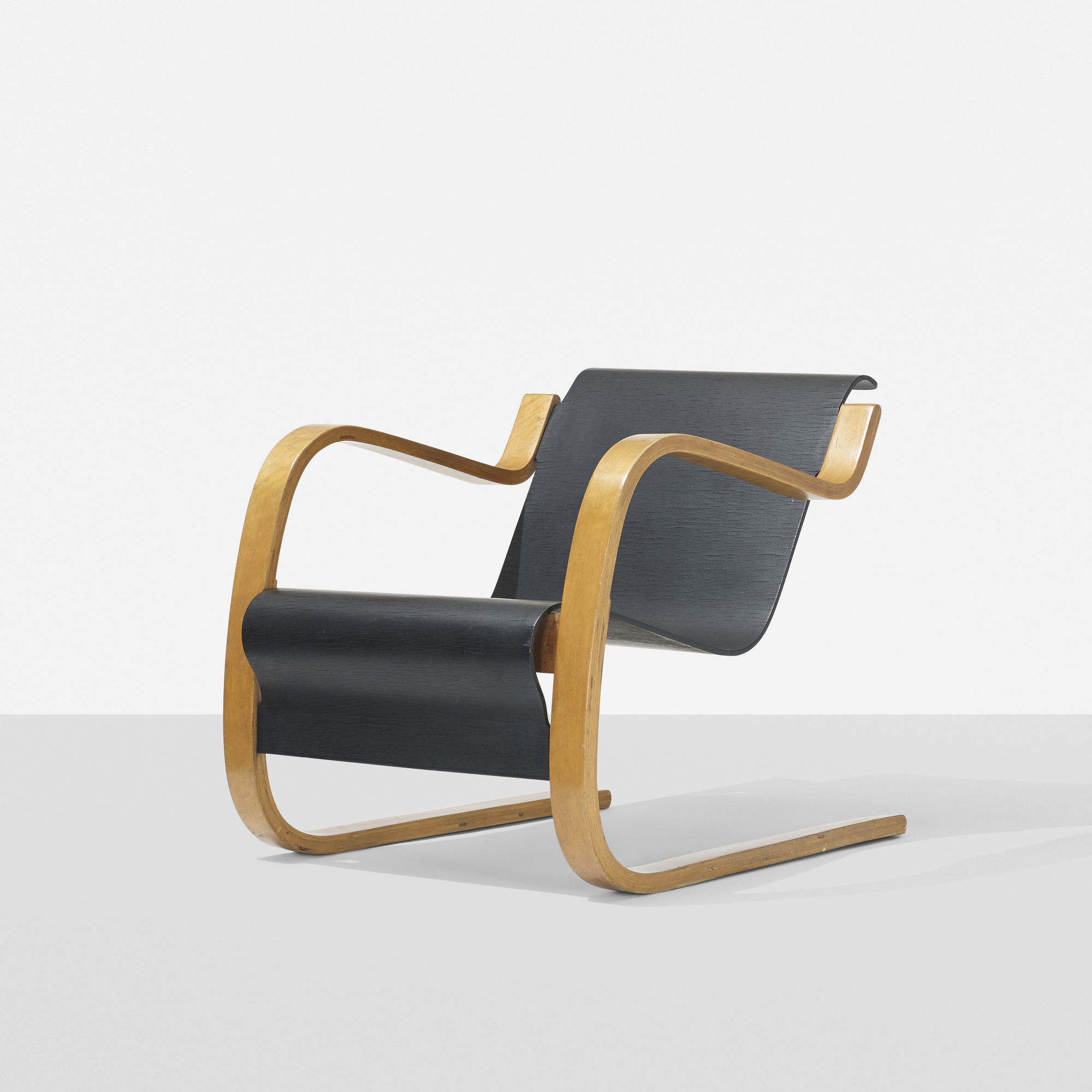 204 ALVAR AALTO, Cantilever lounge chair, model 31 42