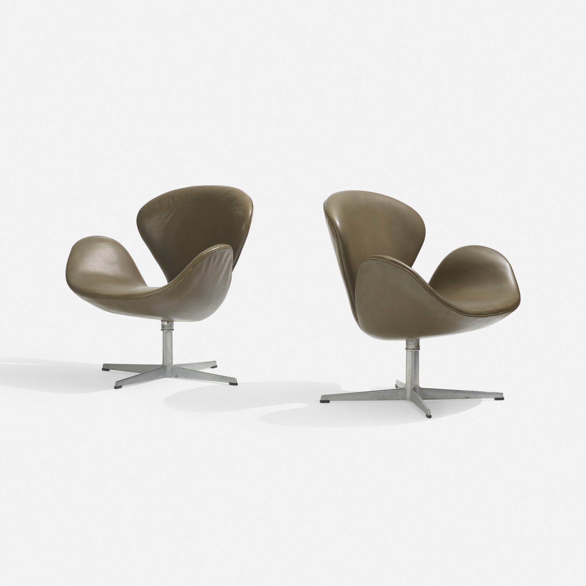 204 Arne Jacobsen Swan Chairs Pair Scandinavian Design 18