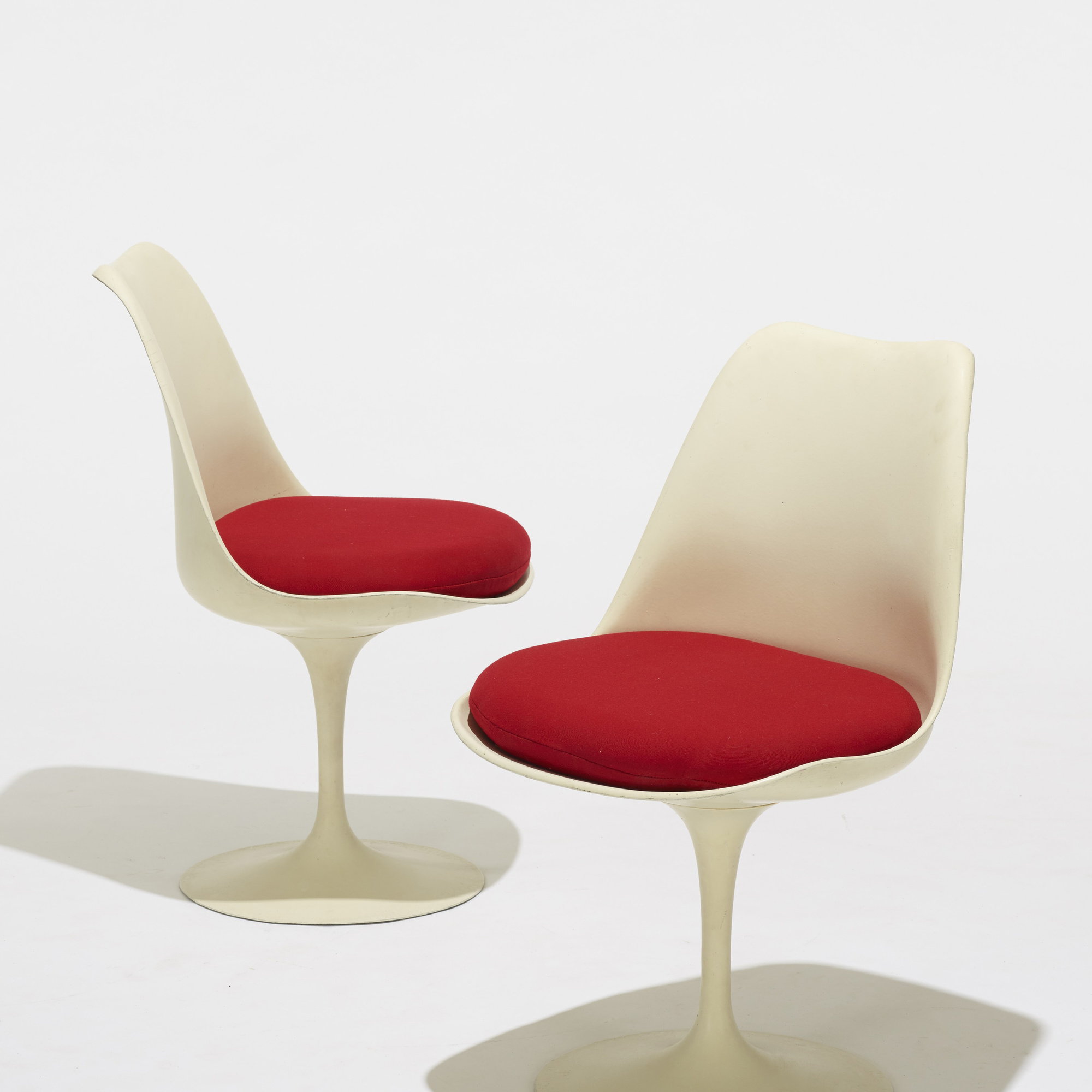 Luxury eero saarinen tulip chair for Eero saarinen tulip armchair