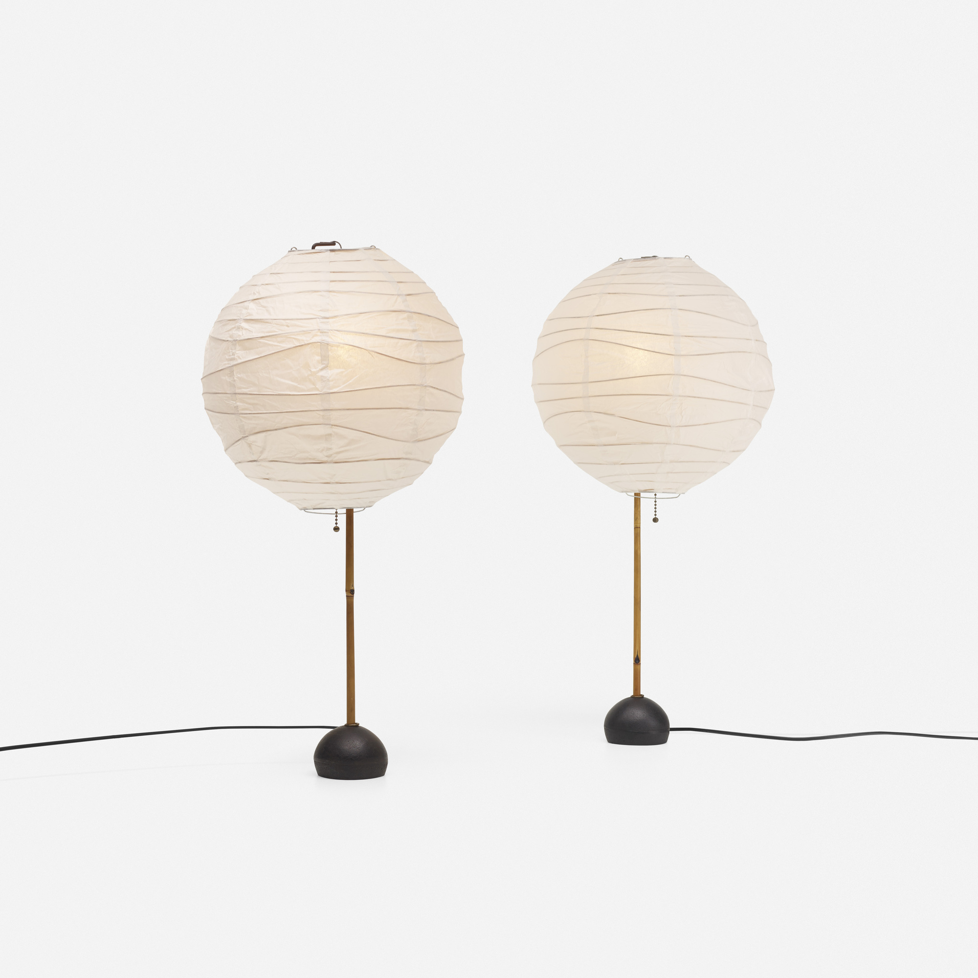 207: Isamu Noguchi / Akari table lamps, pair (1 of 3)
