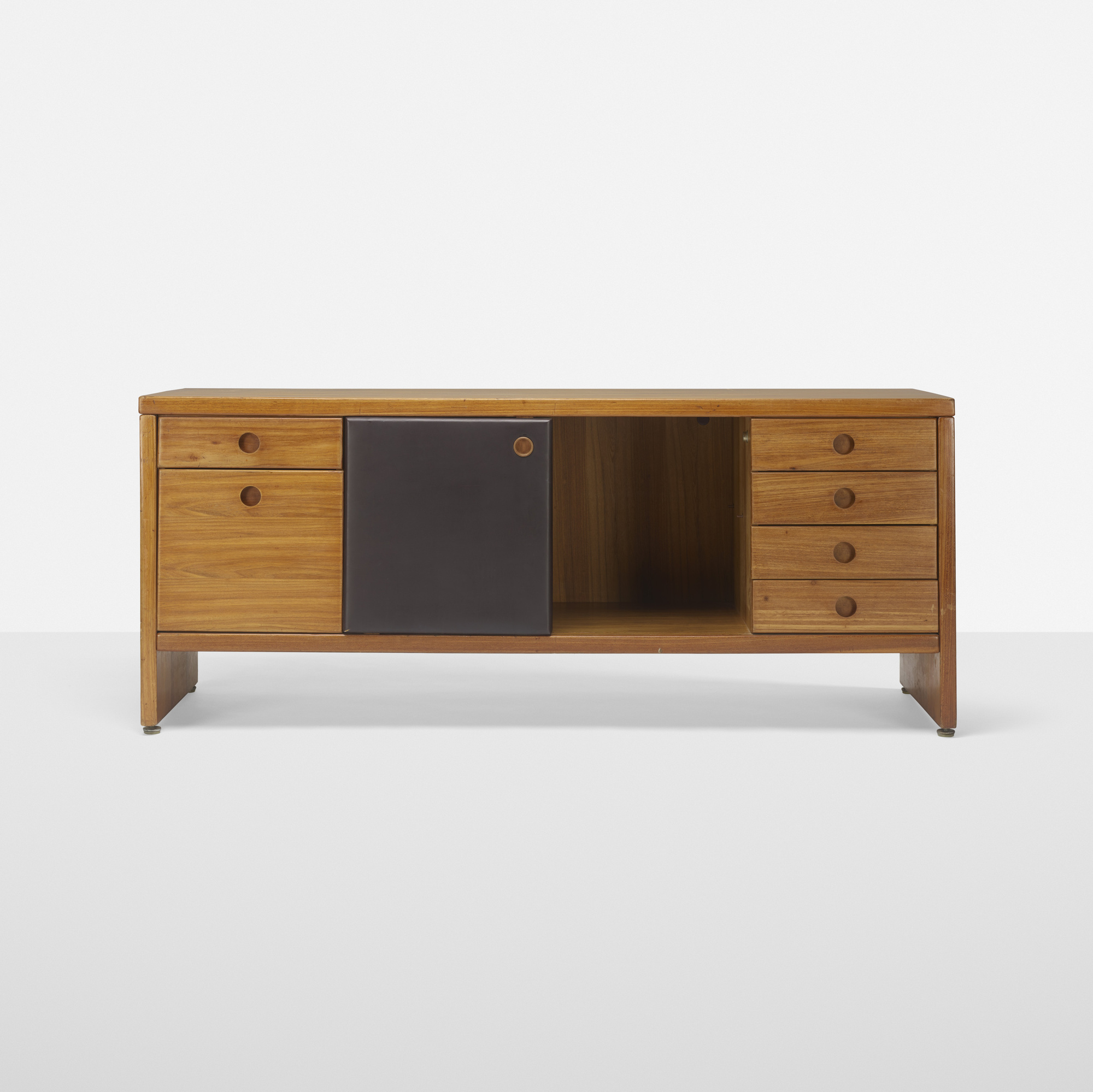 213: Sergio Rodrigues / Tupã cabinet (1 of 3)