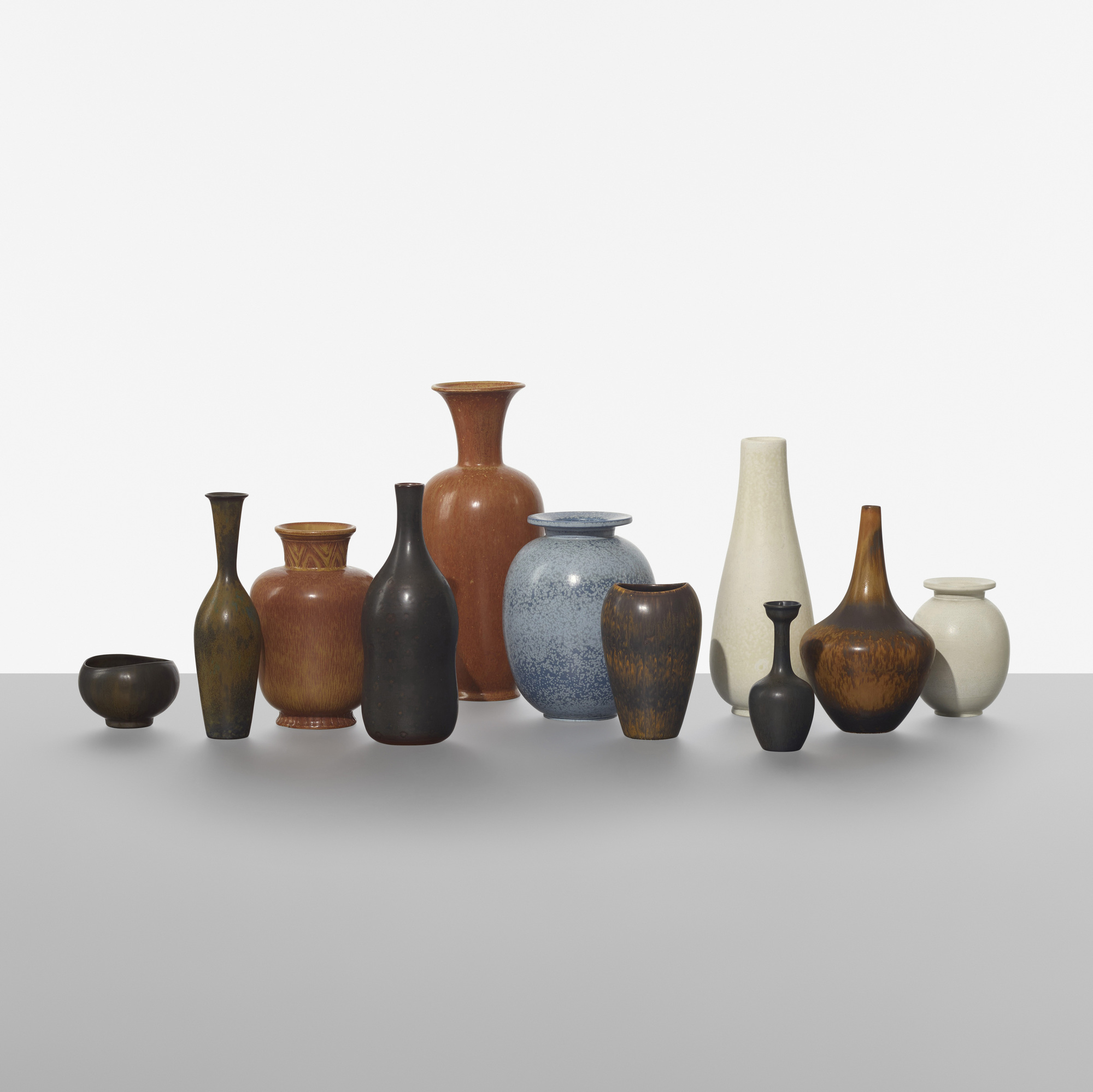 214: Gunnar Nylund / collection of eleven vases (2 of 3)