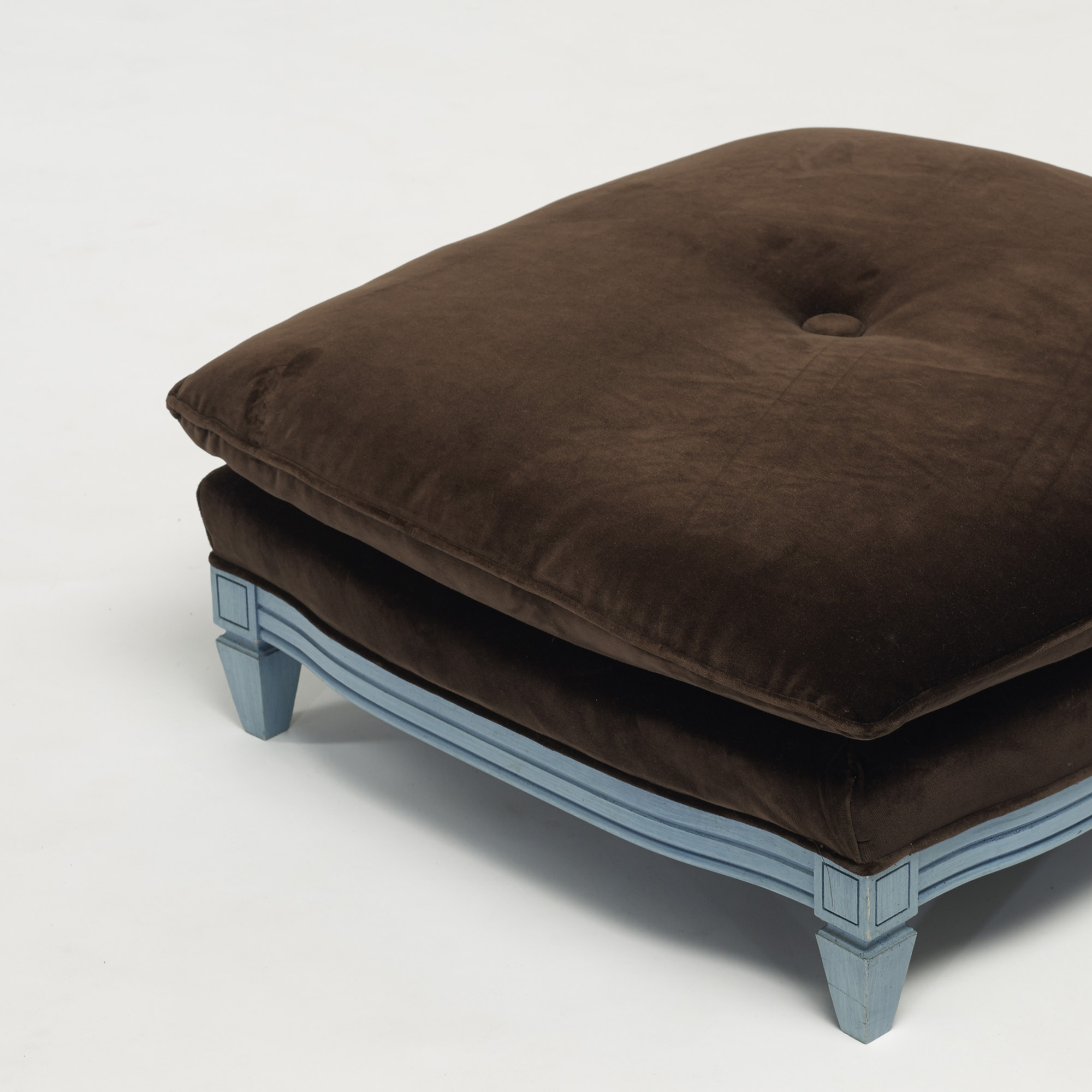 216: Contemporary / ottomans, set of three (3 of 3)