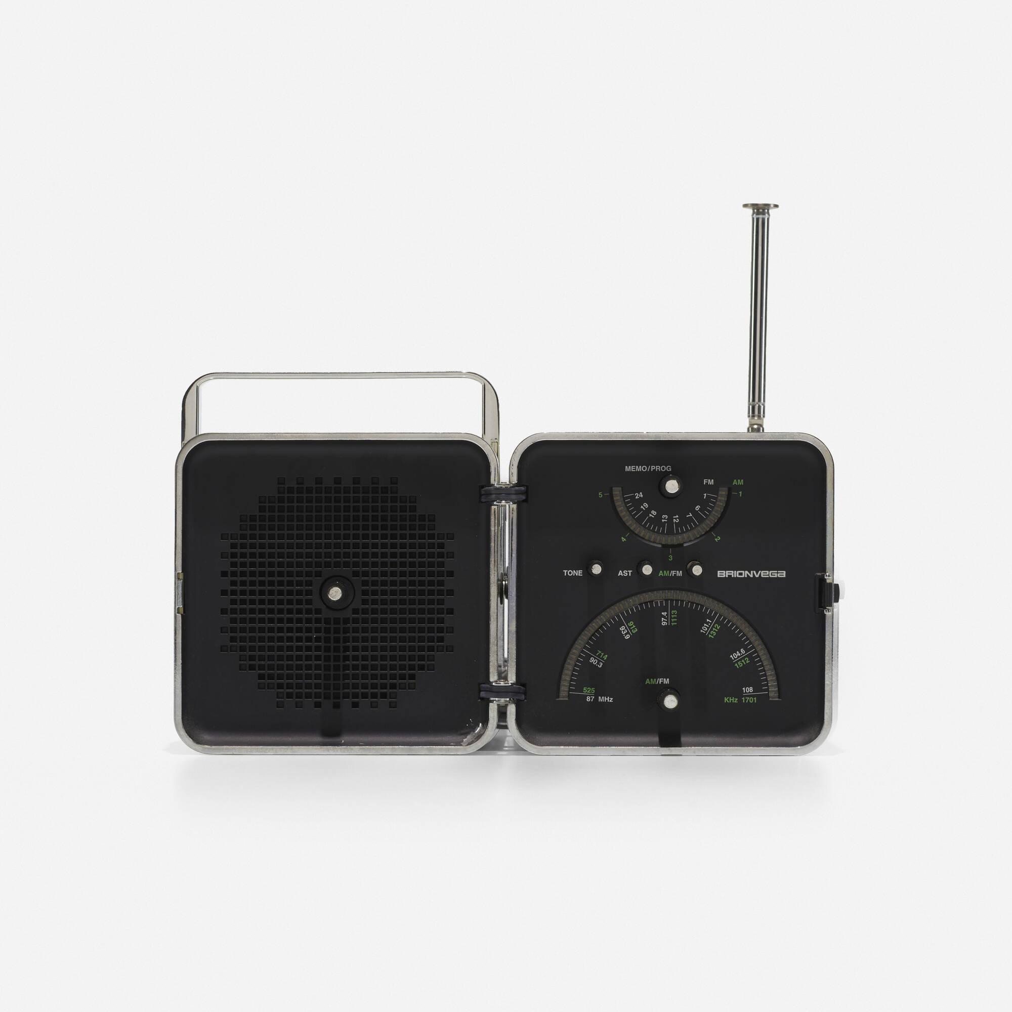 219: Marco Zanuso and Richard Sapper / TS522 radio (1 of 3)