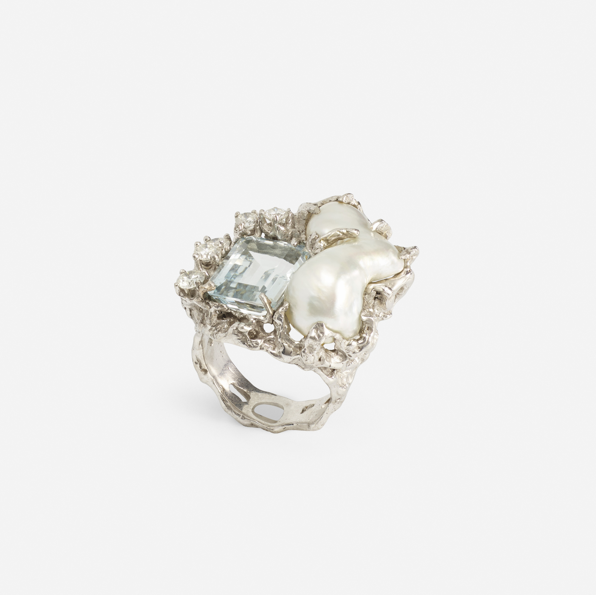 220:  / A gold, aquamarine, pearl and diamond ring (1 of 2)