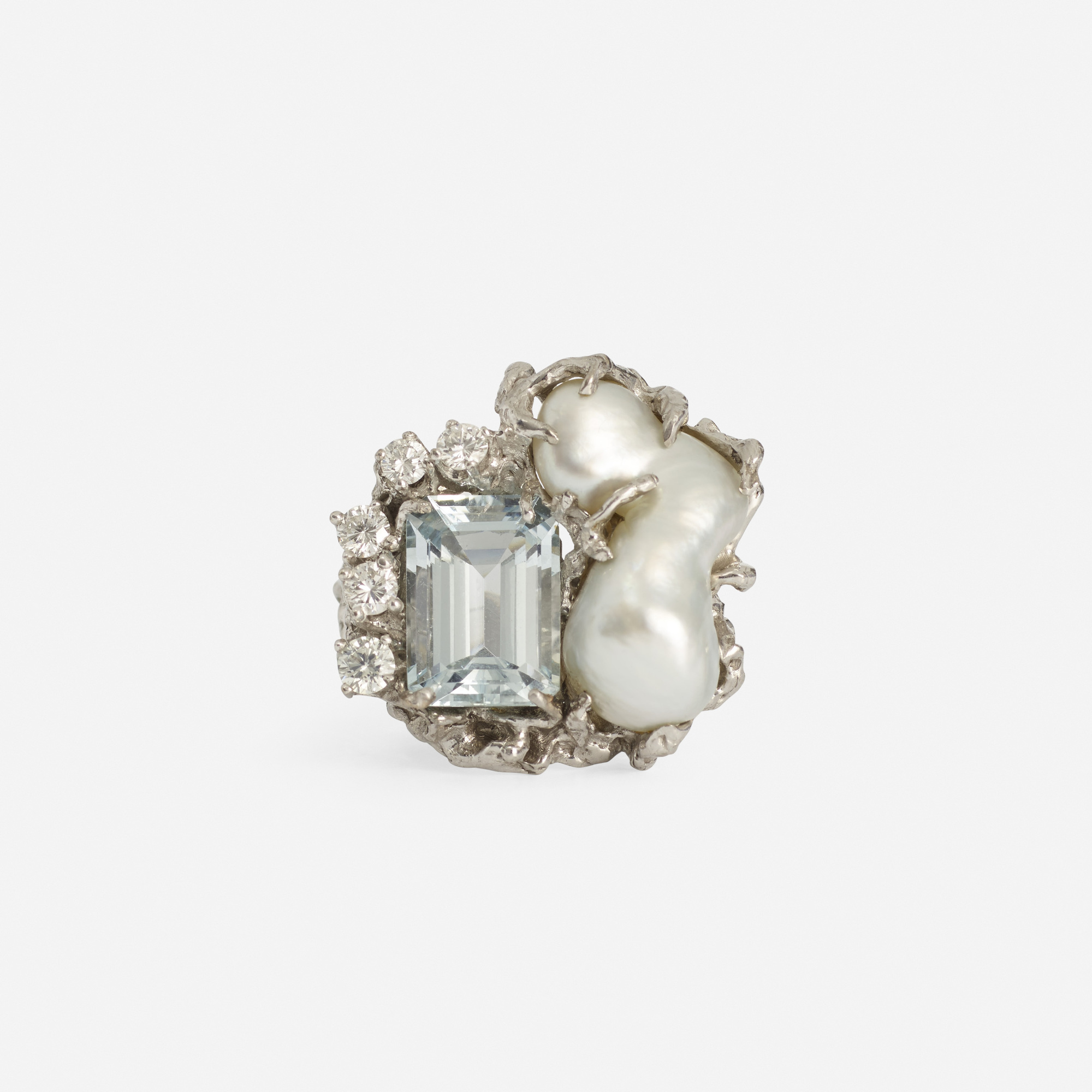 220:  / A gold, aquamarine, pearl and diamond ring (2 of 2)