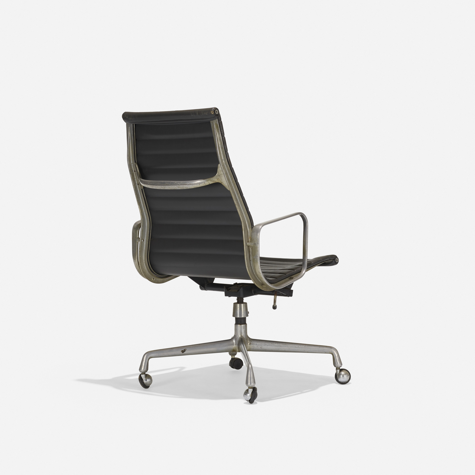 221 charles and ray eames aluminum group lounge chair. Black Bedroom Furniture Sets. Home Design Ideas
