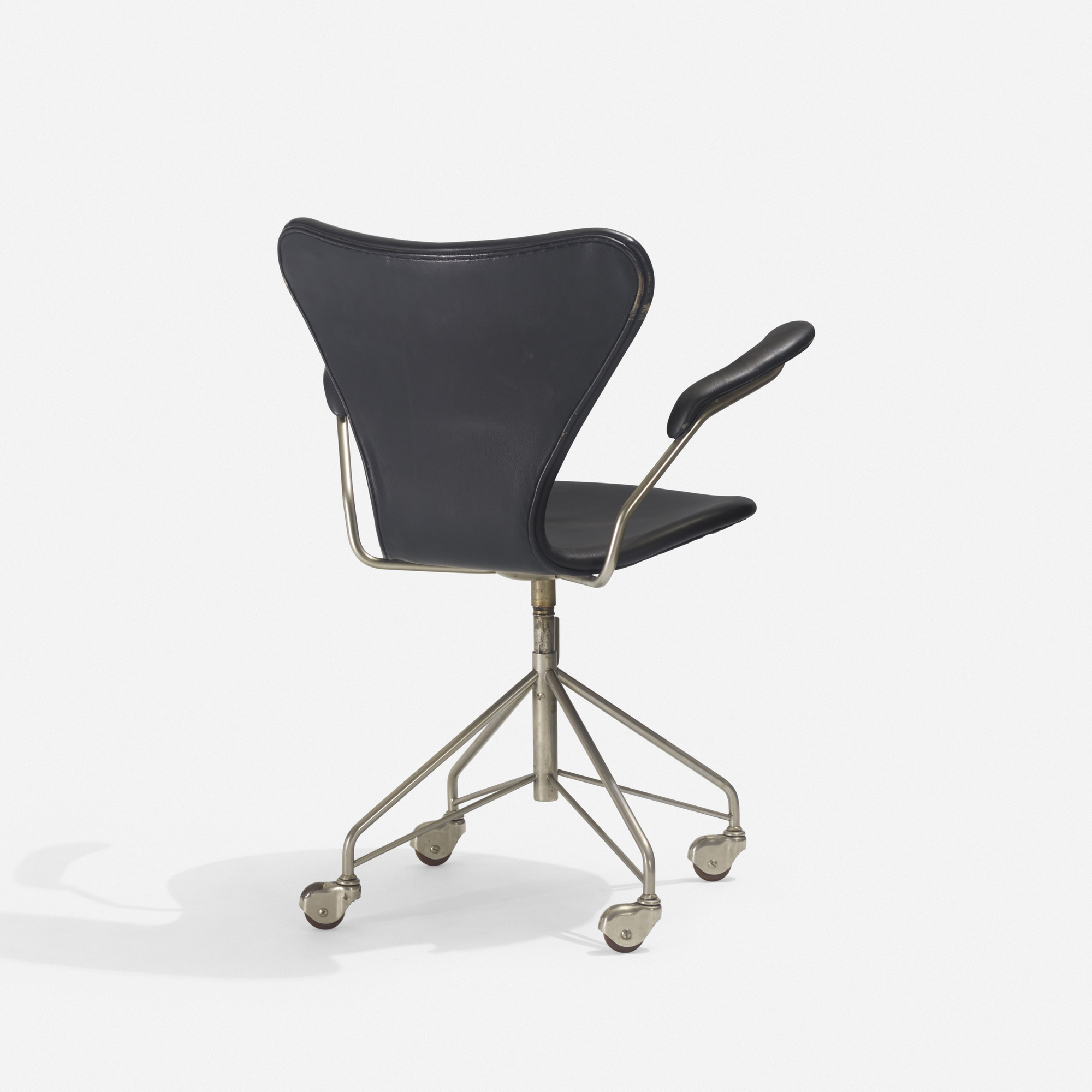 221 arne jacobsen office chair