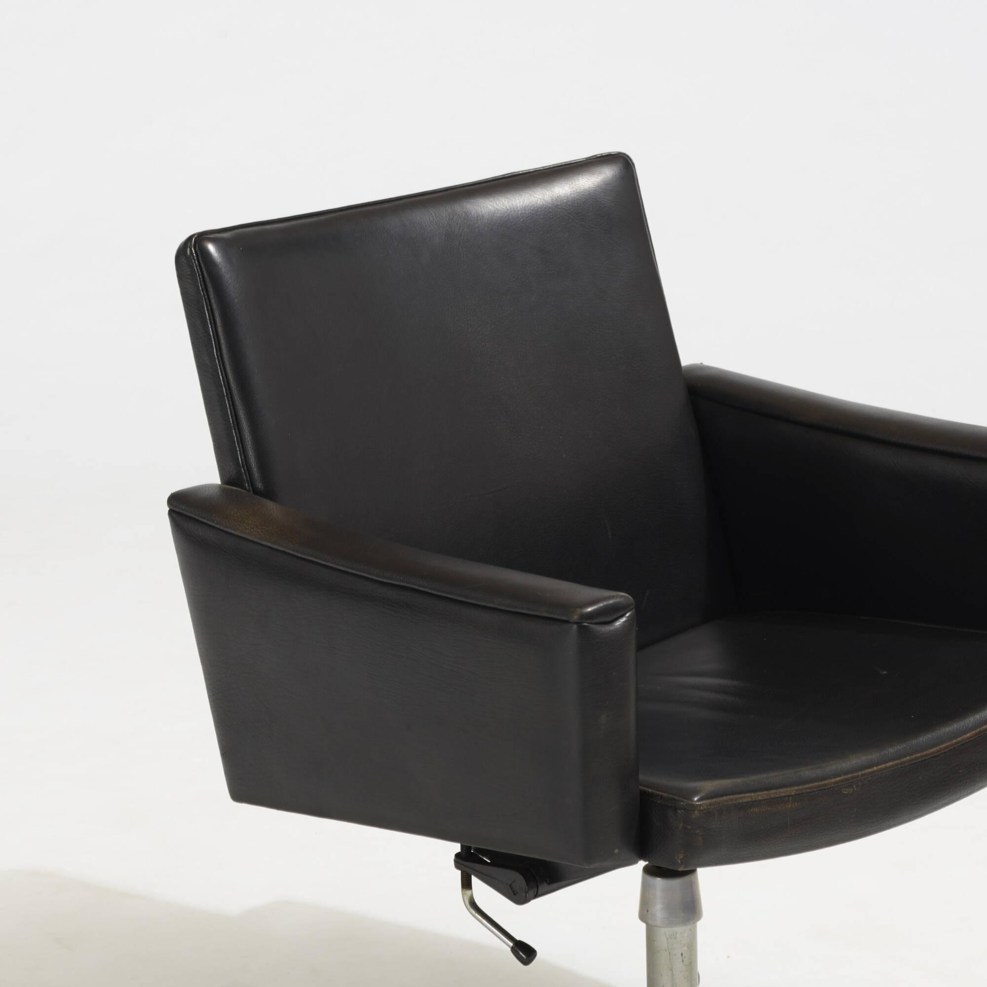 222 Hans J Wegner Desk Chair 3 Of 4