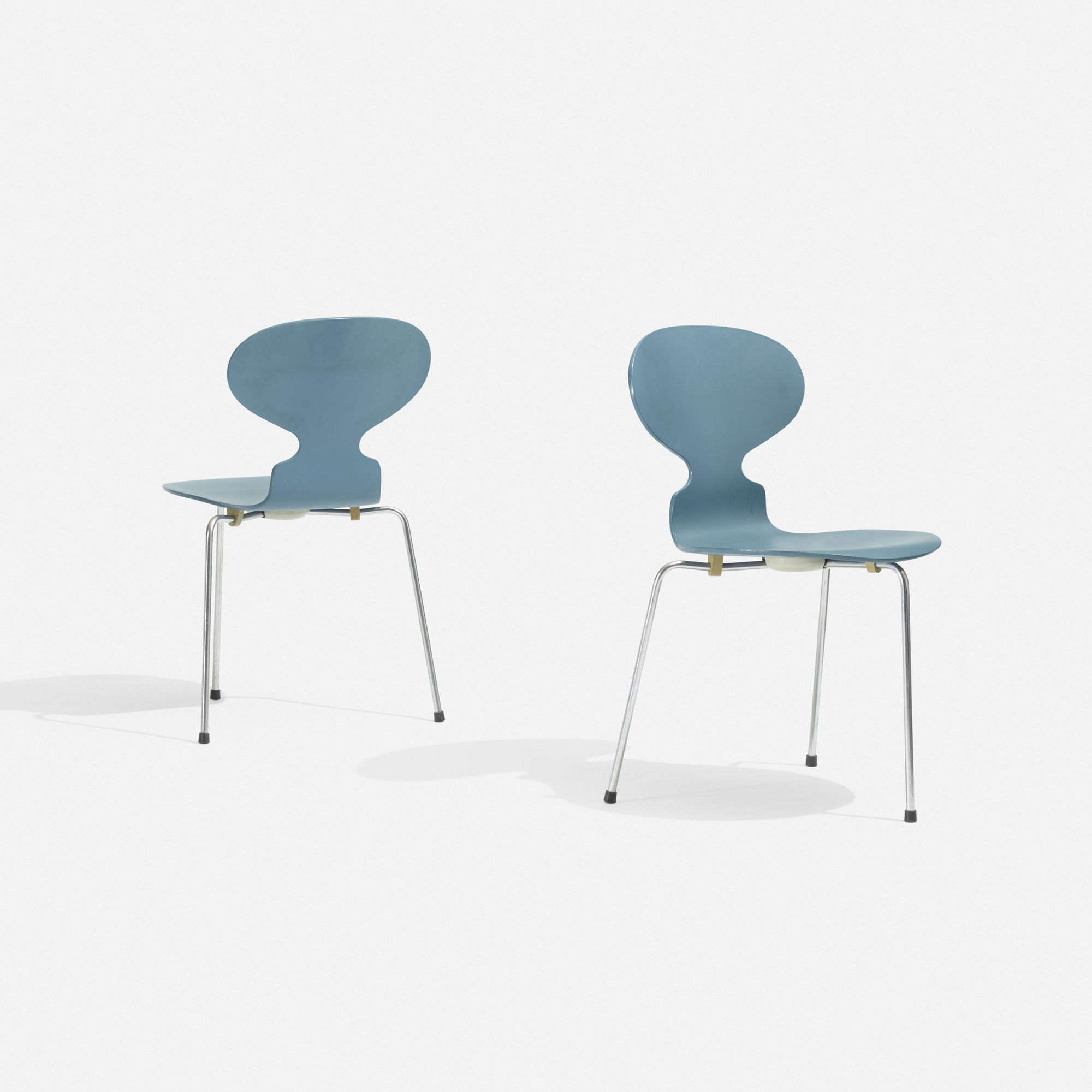 Incroyable 223: Arne Jacobsen / Ant Chair, Pair (1 Of 2)