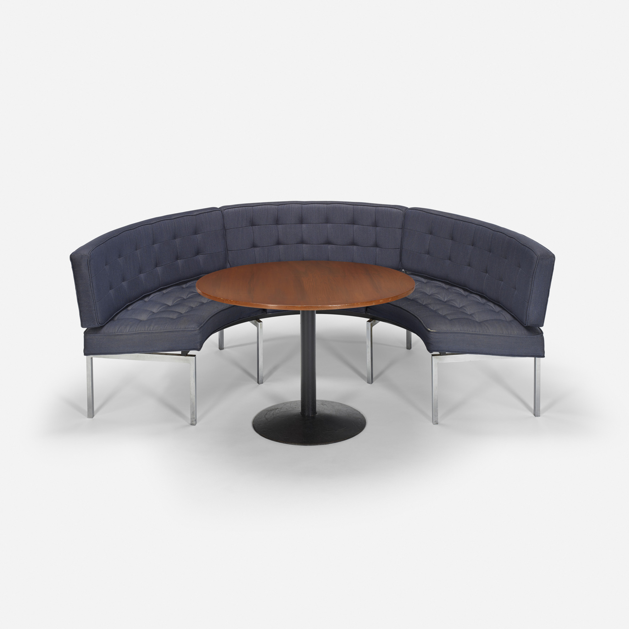 223: Philip Johnson Associates / Curved banquette and table 36 from the Grill Room (1 of 1)