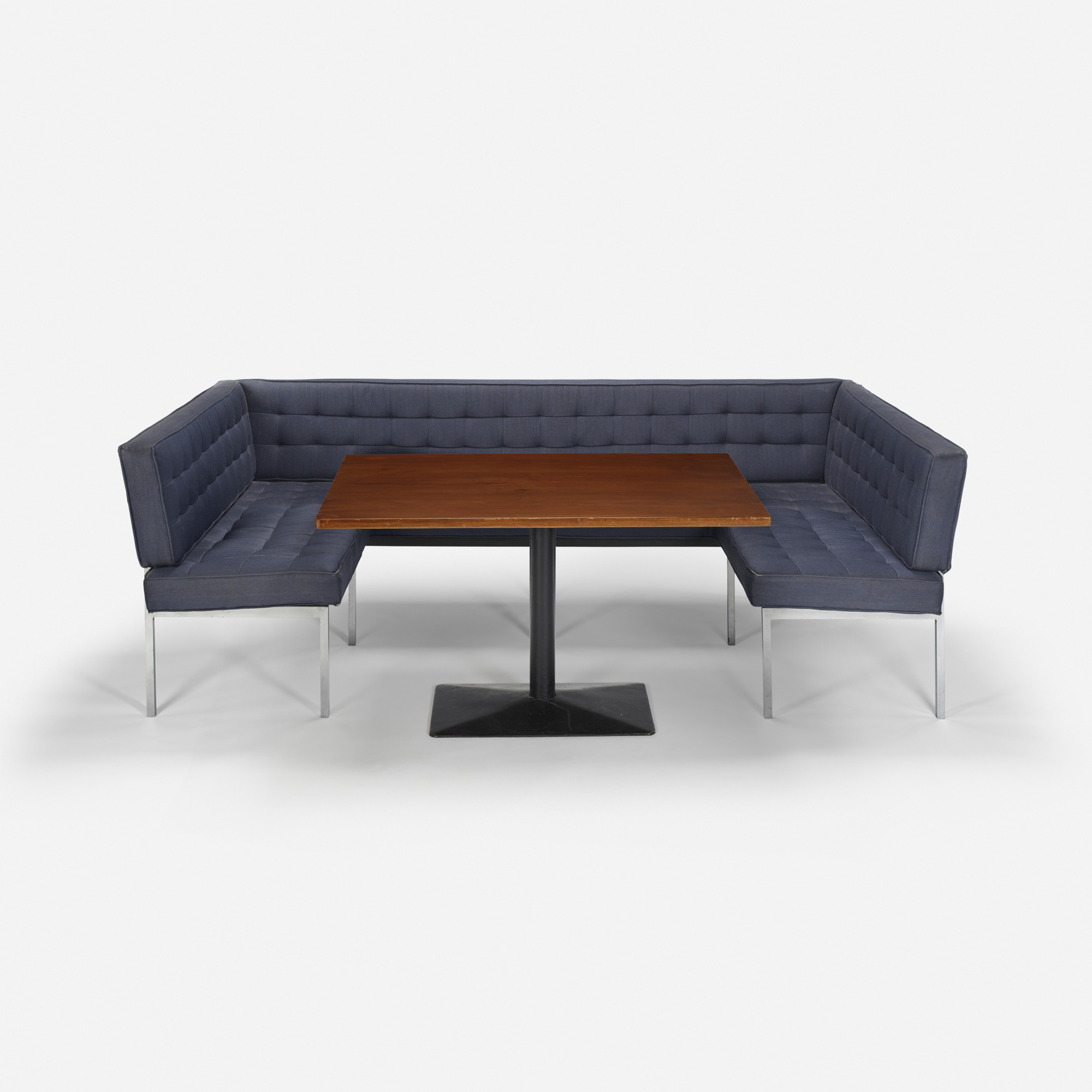 224: Philip Johnson Associates / Three-sided banquette and table 37 from the Grill Room (1 of 1)