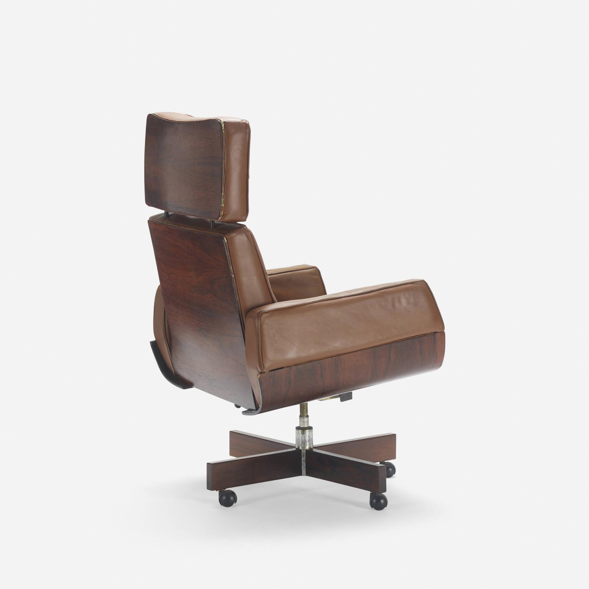 225: Jorge Zalszupin / Ambassador armchair (2 of 3)